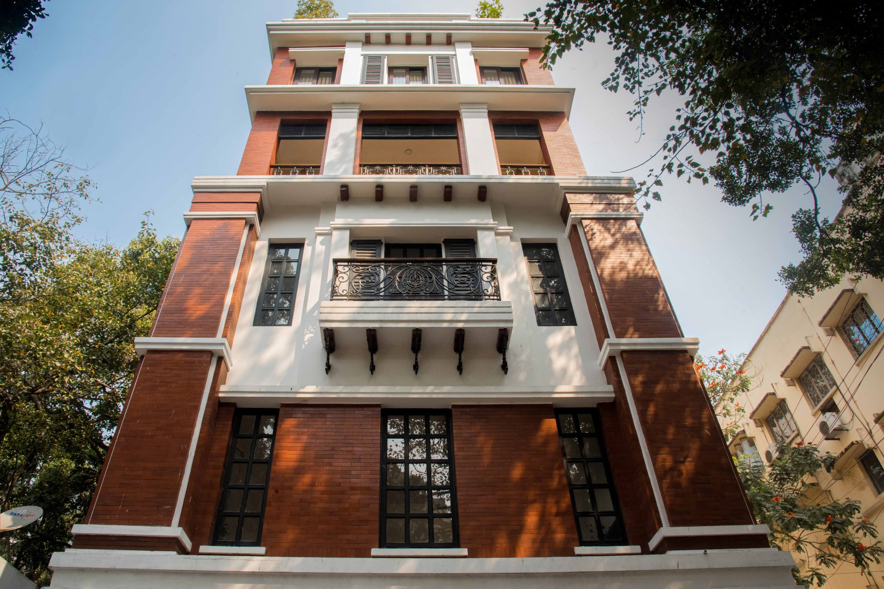 for Sale at Apartment in Ho Chi Minh Sarani Ho Chi Minh Sarani Camac Street Kolkata, West Bengal 700016 India