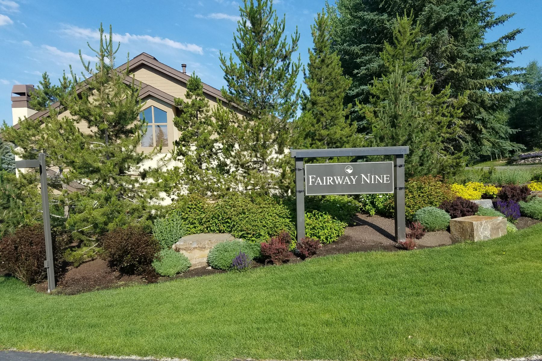 Condominiums for Sale at Desirable Fairway Nine Condo 4312 Fairway Nine Condo Sun Valley, Idaho 83353 United States