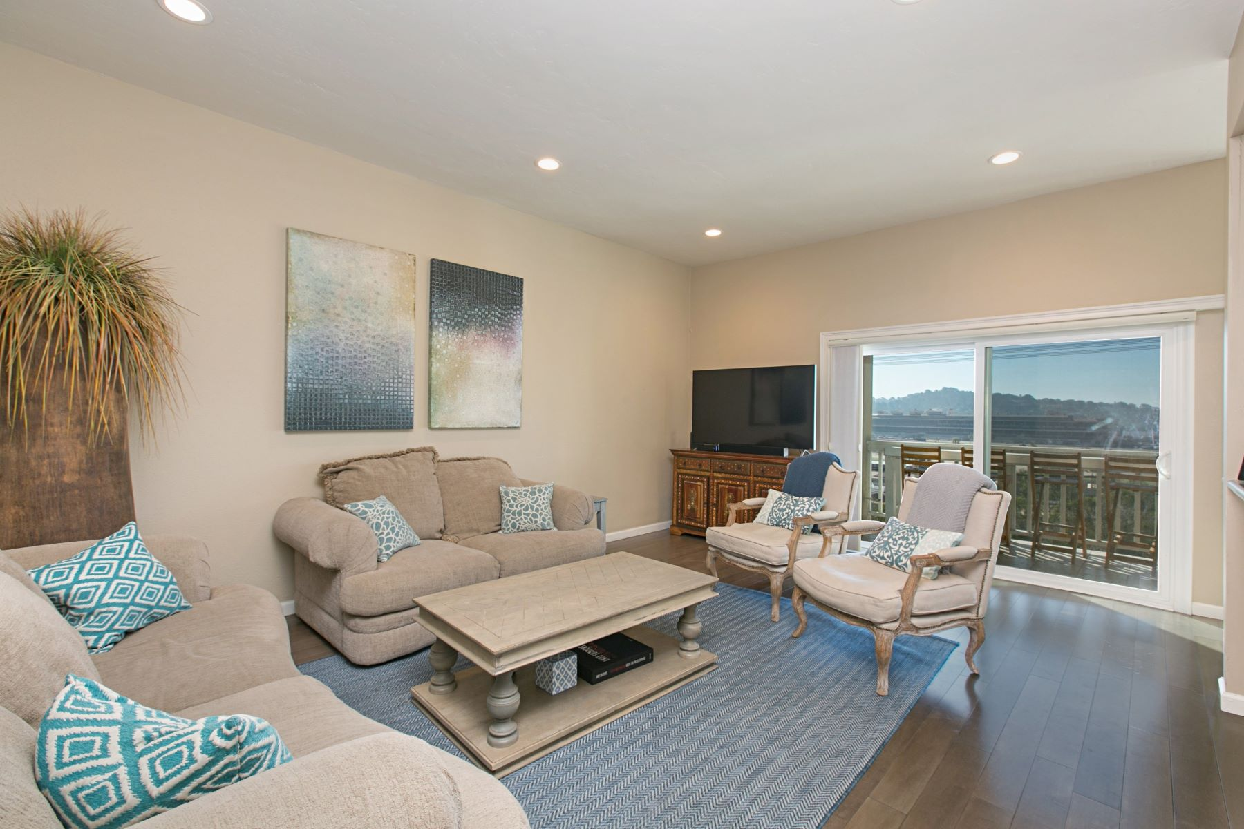 Condominiums for Sale at 245 Turf View Drive Solana Beach, California 92075 United States