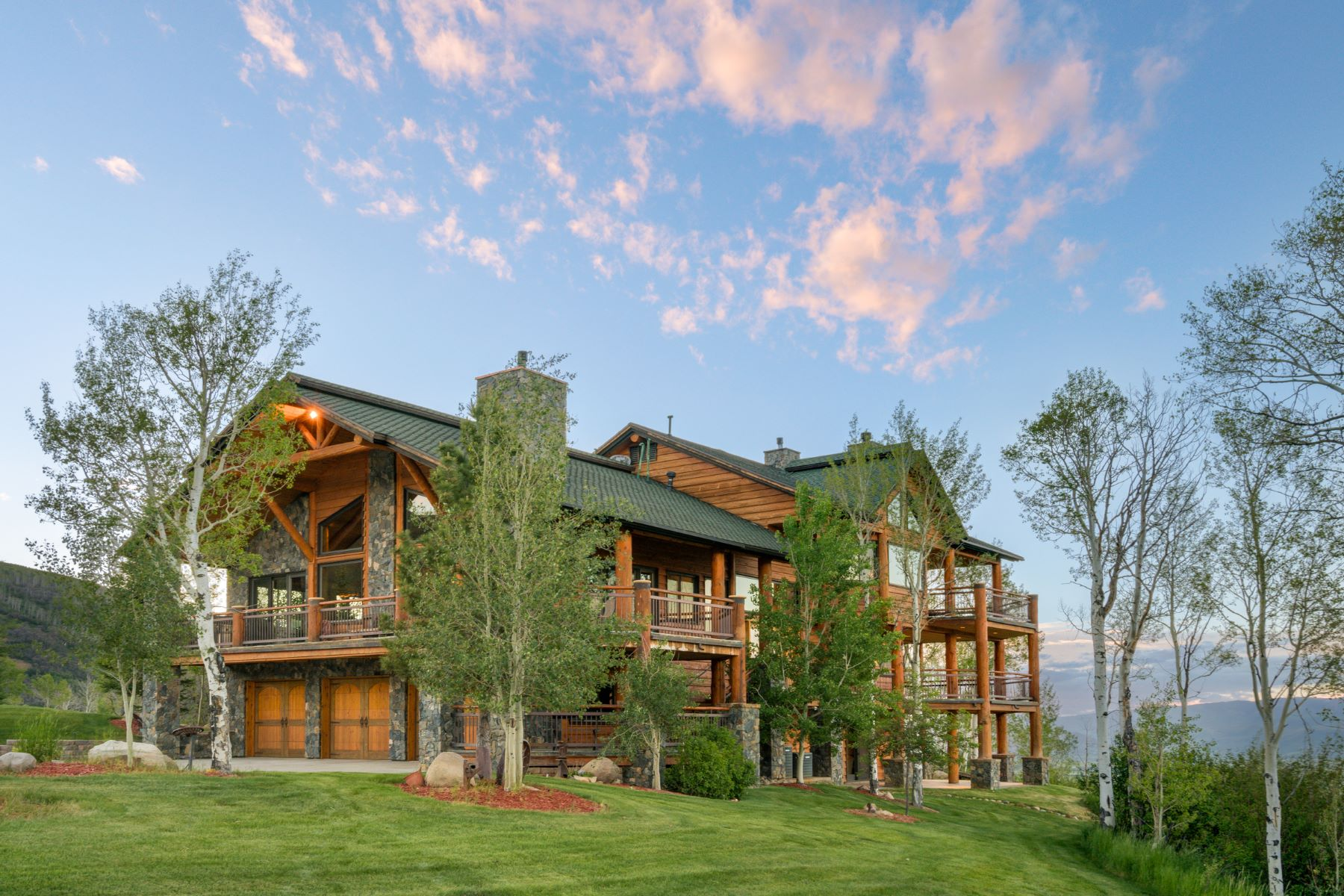 Maison unifamiliale pour l Vente à The Last Resort 26425 Henderson Park Road Oak Creek, Colorado 80467 États-Unis