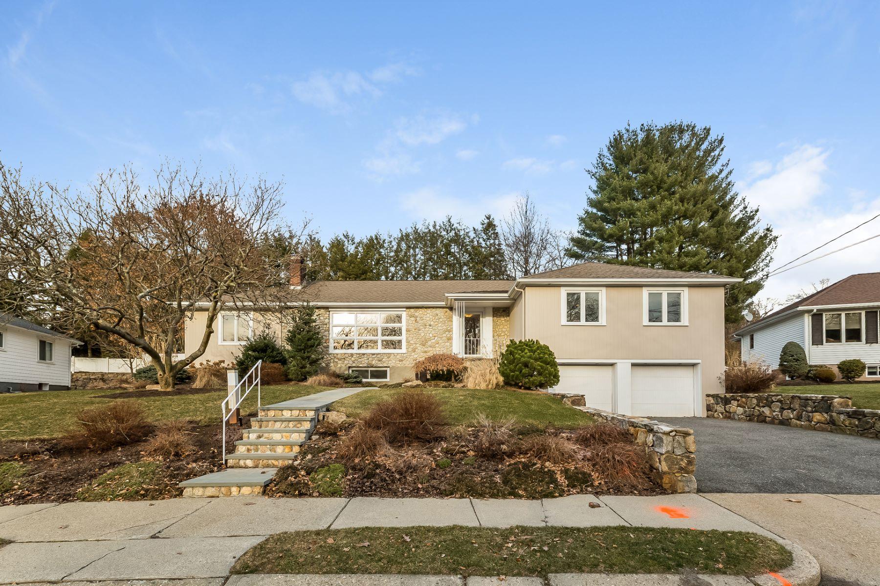 独户住宅 为 销售 在 86 Deborah Road, Newton 86 Deborah Rd, 牛顿, 马萨诸塞州, 02459 美国