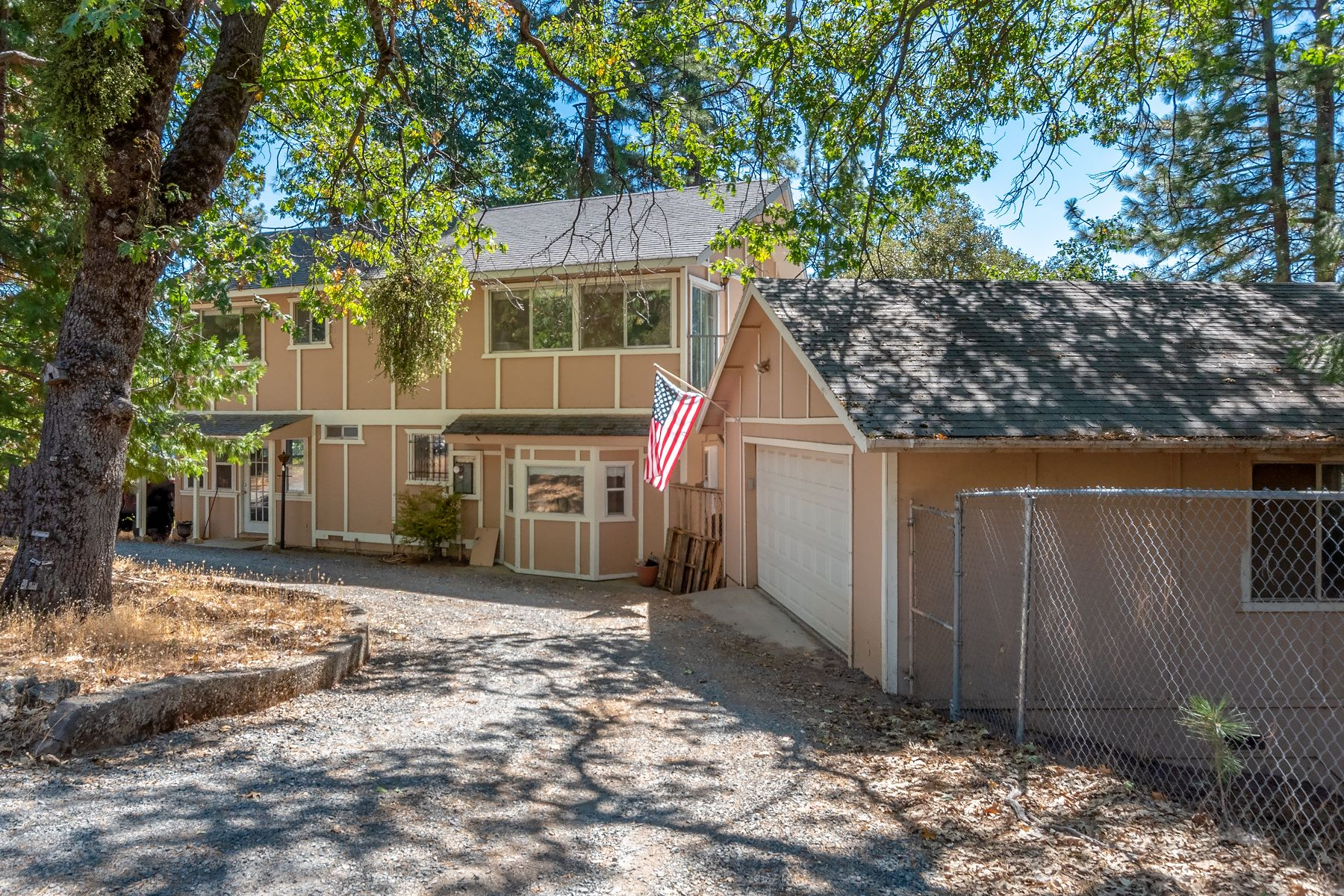 Single Family Home for Active at 5314 Johnson Lane, Placerville, CA 95667 5314 Johnson Lane Placerville, California 95667 United States