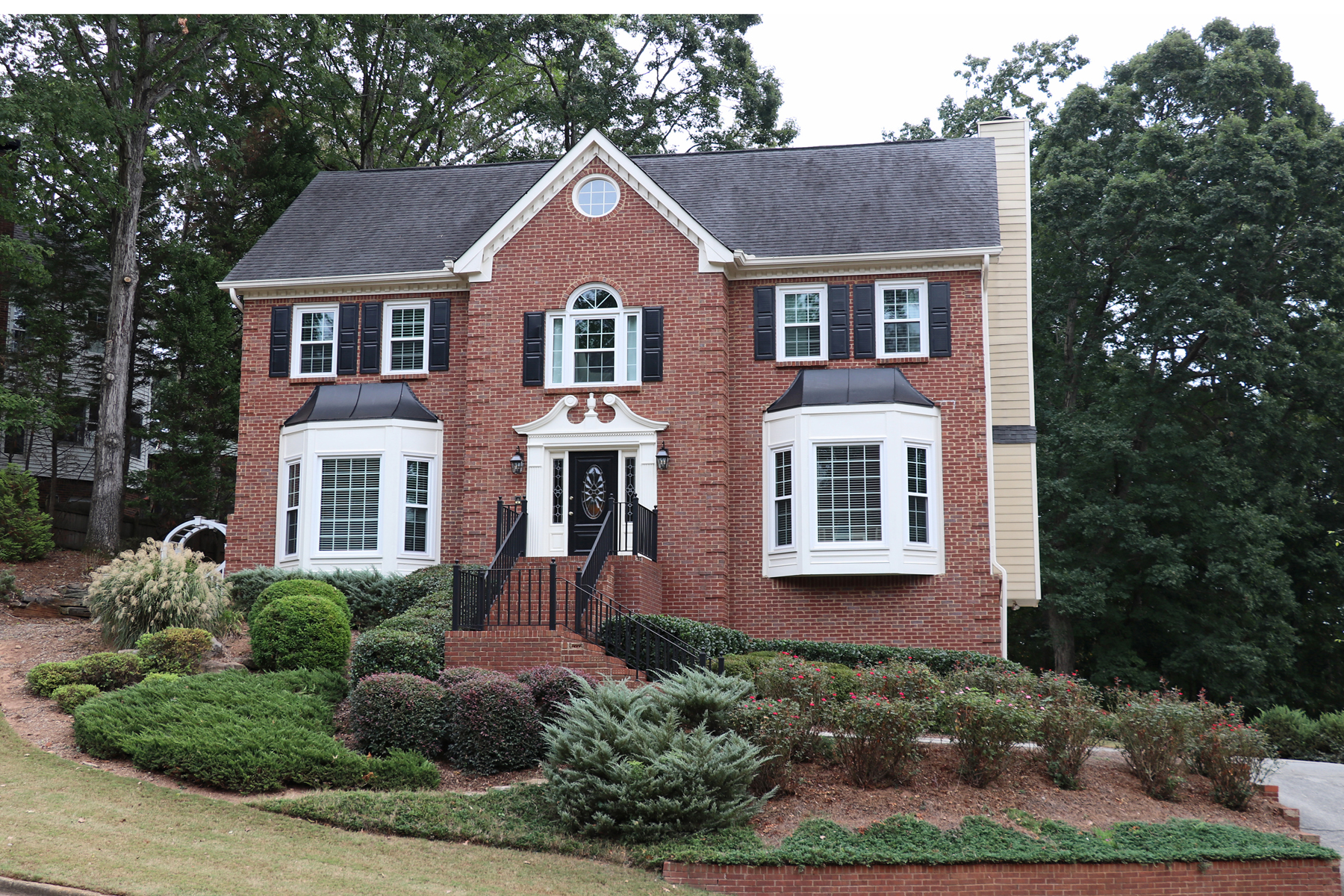 Single Family Homes のために 売買 アット Beautiful Home in Roswell 9055 Twelvestones Drive, Roswell, ジョージア 30076 アメリカ