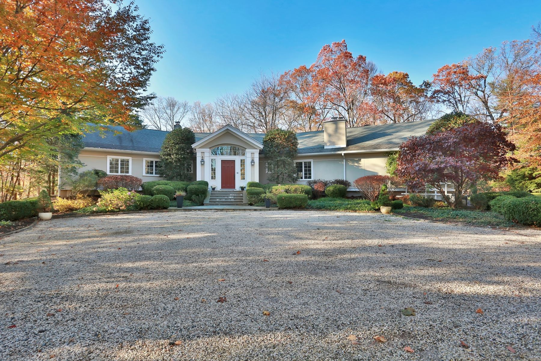 Single Family Homes 為 出售 在 Spectacular! 25 Haights Cross Road, Chappaqua, 纽约 10514 美國