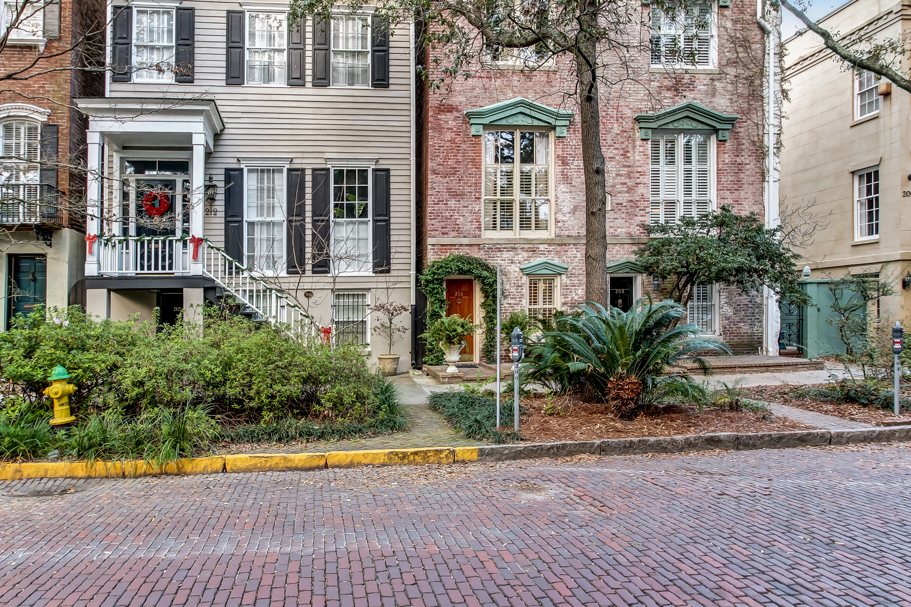 Townhouse for Sale at 210 W Jones Street Savannah, Georgia, 31401 United States
