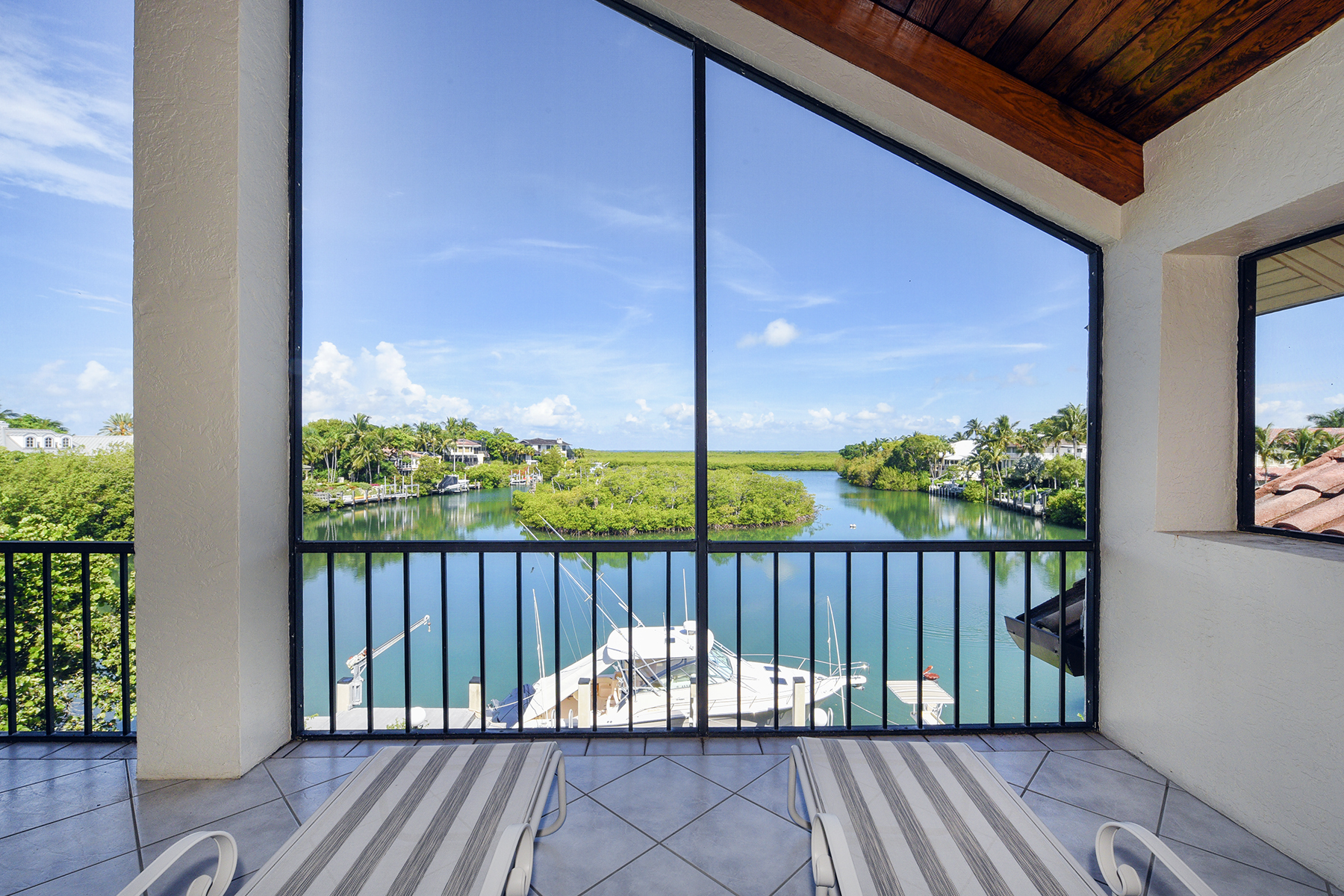 Maison unifamiliale pour l Vente à Waterfront Living at Ocean Reef 21 Sunrise Cay Drive Key Largo, Florida, 33037 États-Unis