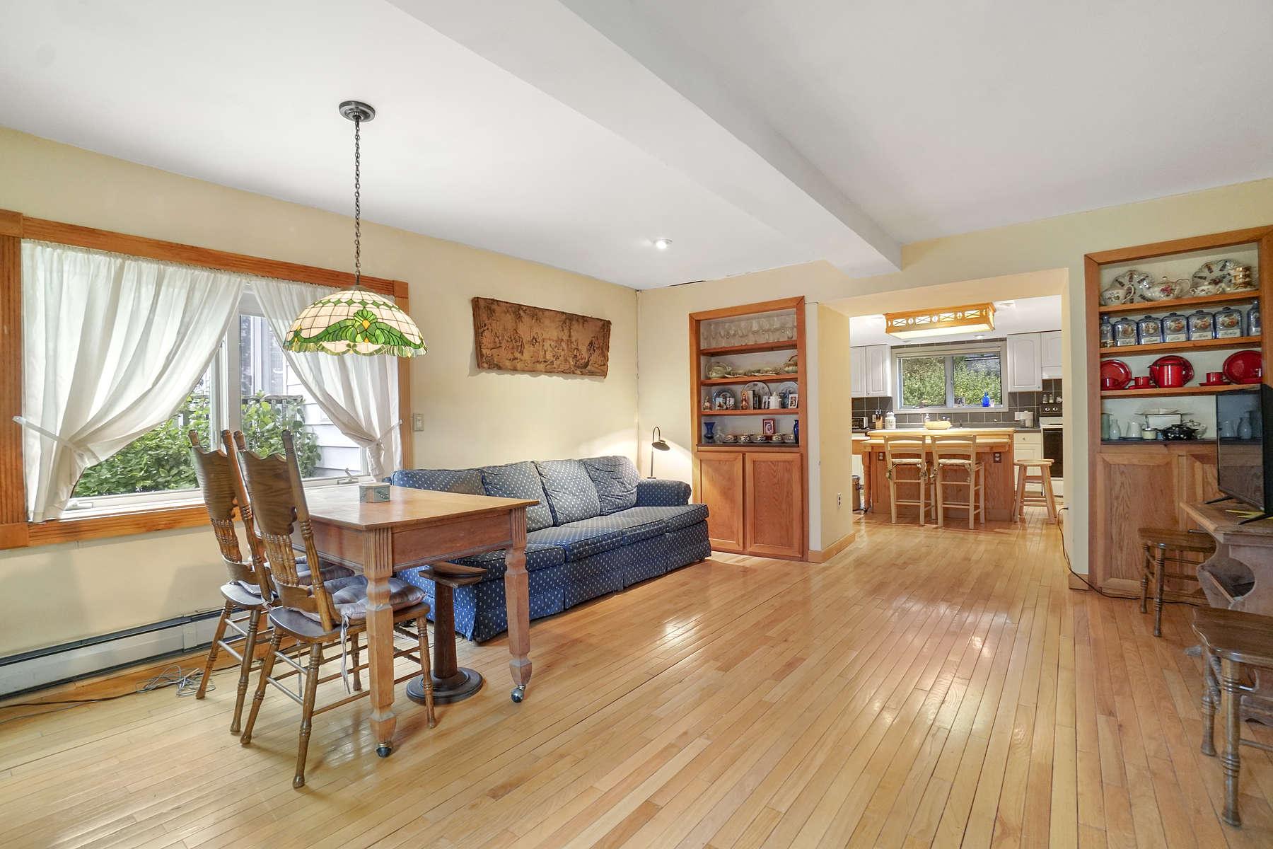 Single Family Homes por un Venta en 44 Atwood Street Revere, Massachusetts 02151 Estados Unidos