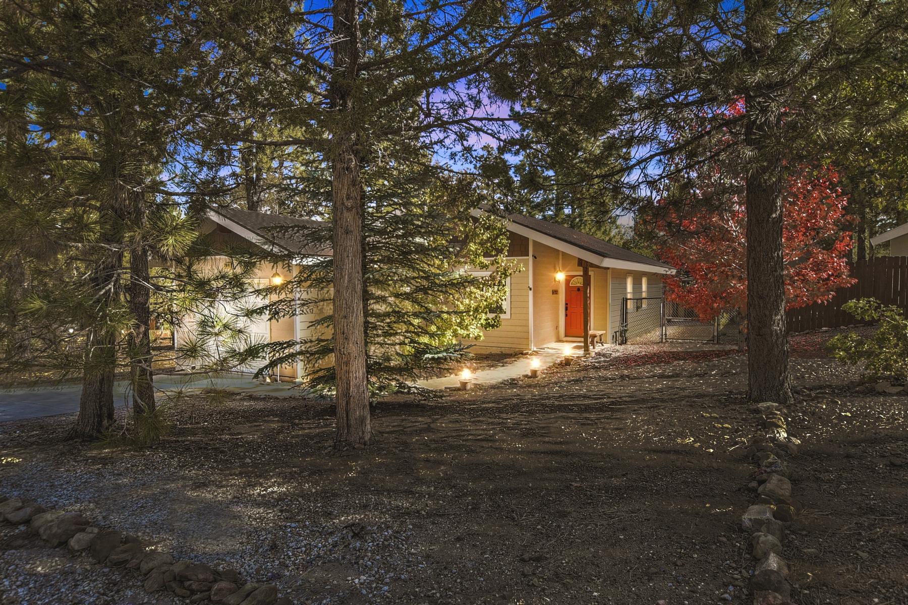 Single Family Homes for Sale at 789 San Bernardino Avenue Sugarloaf, California 92386 789 San Bernardino Avenue Sugarloaf, California 92386 United States