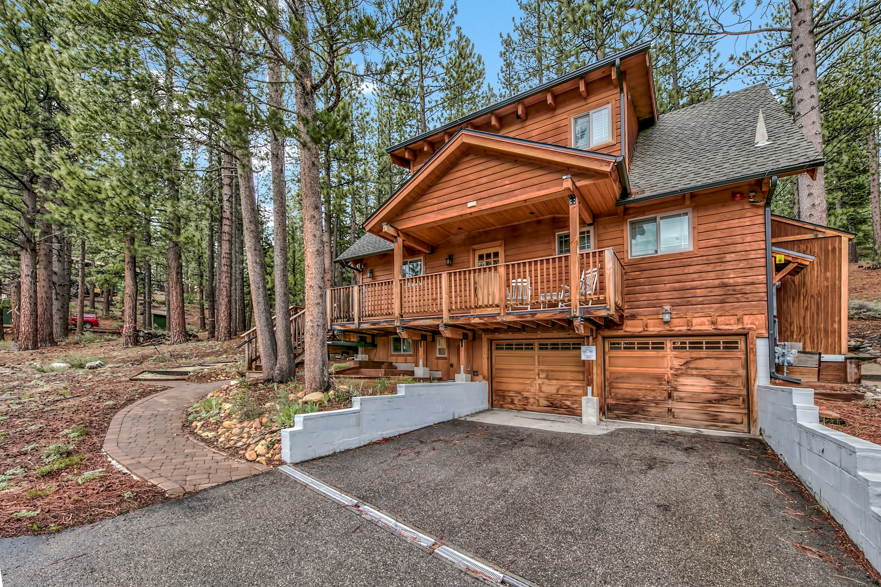 Single Family Homes for Active at 2240 Columbine Trail, South Lake Tahoe, CA 96150 2240 Columbine Trail South Lake Tahoe, California 96150 United States