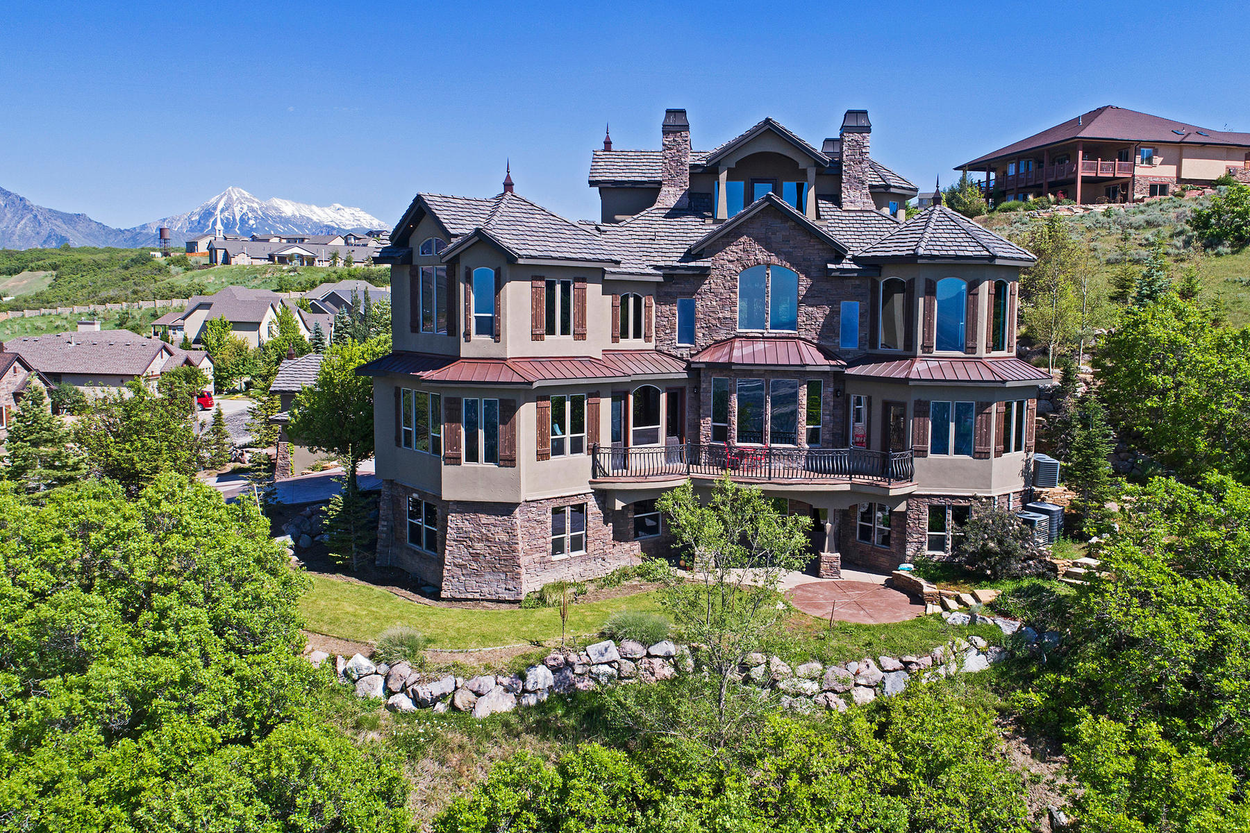 Villa per Vendita alle ore An Architectural Masterpiece with 270º Views 14858 Saddle Leaf Ct Salt Lake City, Utah, 84020 Stati Uniti