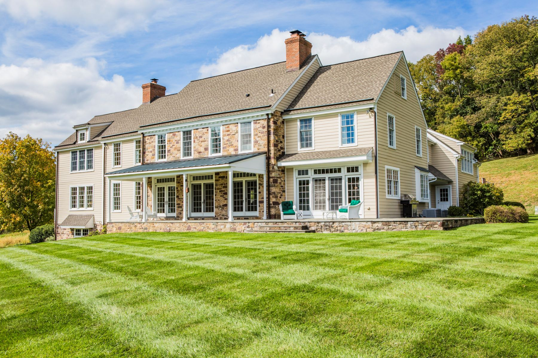 Additional photo for property listing at Impressive, Modern-Day Farmhouse on 12.75 Acres 46 Harbourton Woodsville Road, Pennington, New Jersey 08534 United States