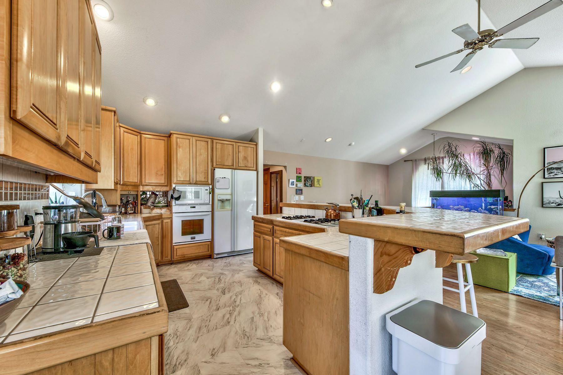 Additional photo for property listing at Kokanee Estates Mountain Home 3067 Kokanee Trail South Lake Tahoe, California 96150 United States