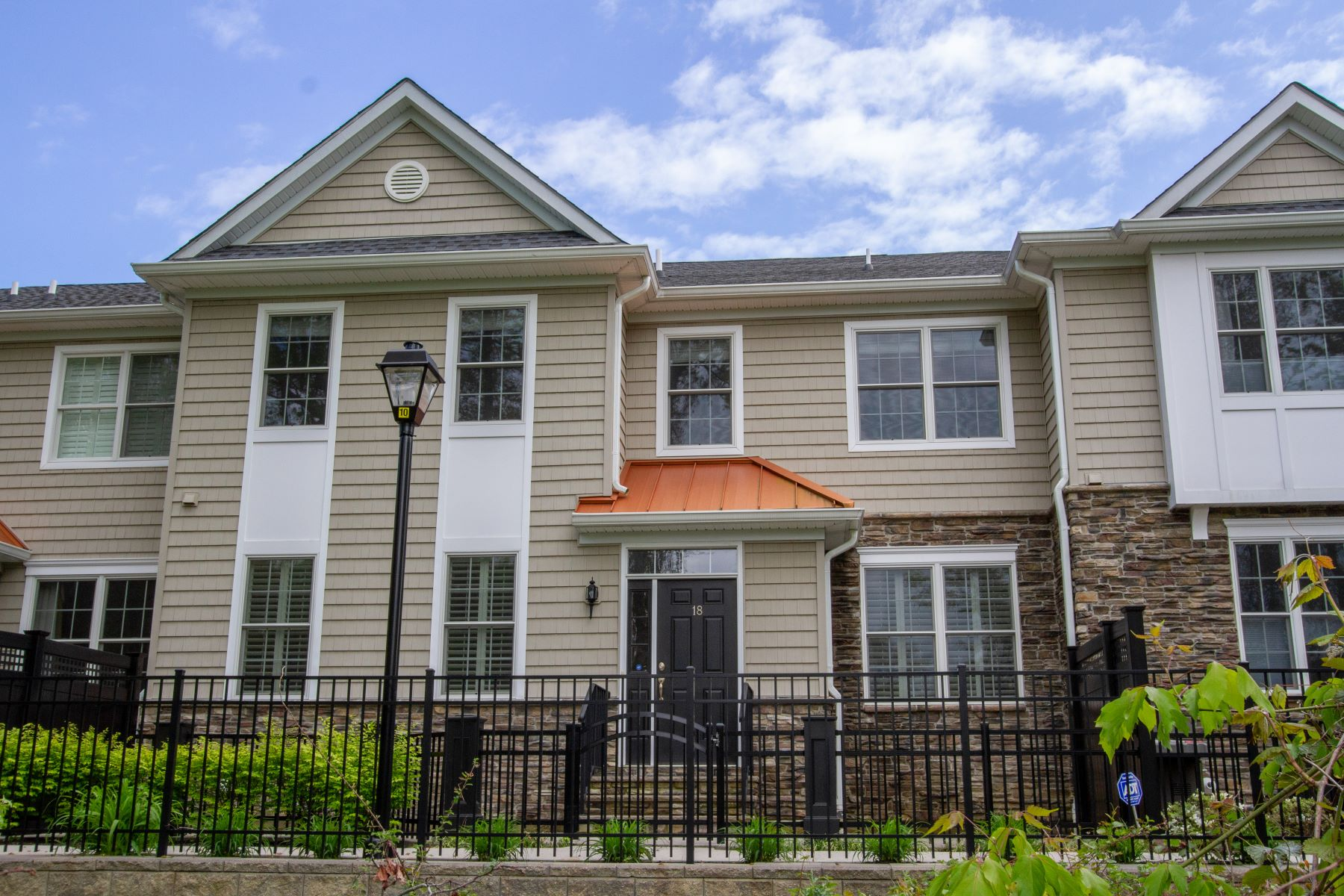 townhouses for Sale at Better-than-new Luxury Townhouse 18 Carriage Gate Drive, Little Silver, New Jersey 07739 United States