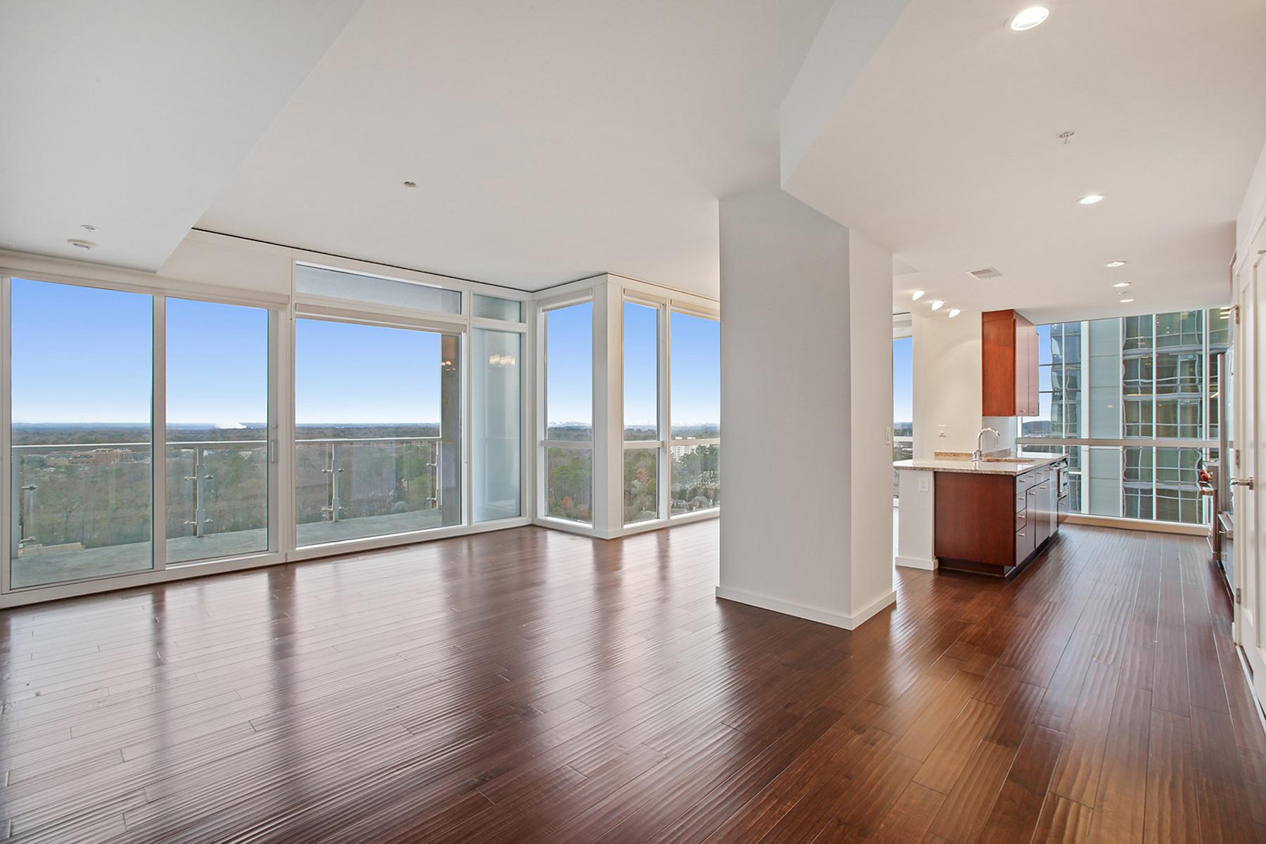 Beautifully Appointed Two Bedroom, Three Bath Condo With Stunning Views 3325 Piedmont Road NE No. 1502 Atlanta, Georgia 30305 Stati Uniti