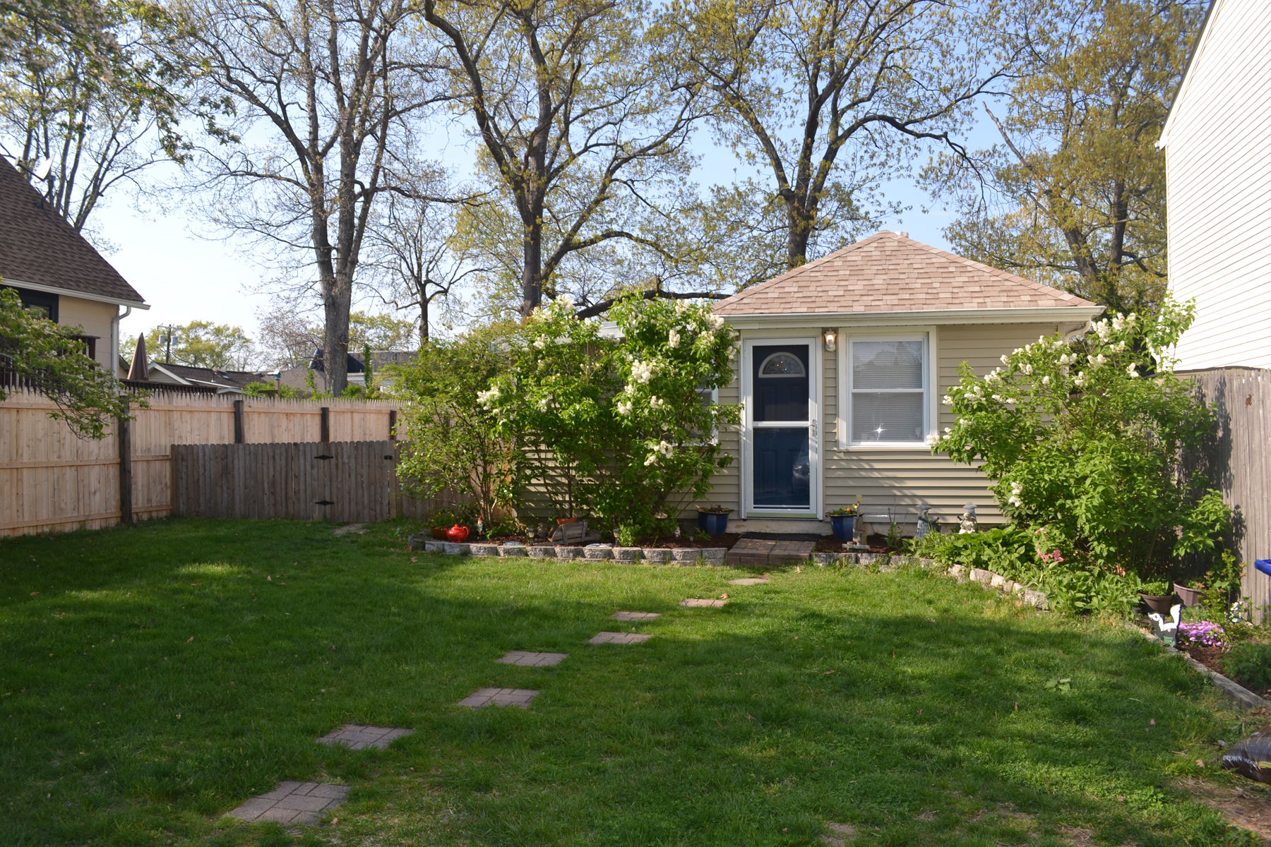 Single Family Homes for Sale at Sunny And Bright Low-Maintenance Cottage 822 Sterling Avenue Brick, New Jersey 08723 United States