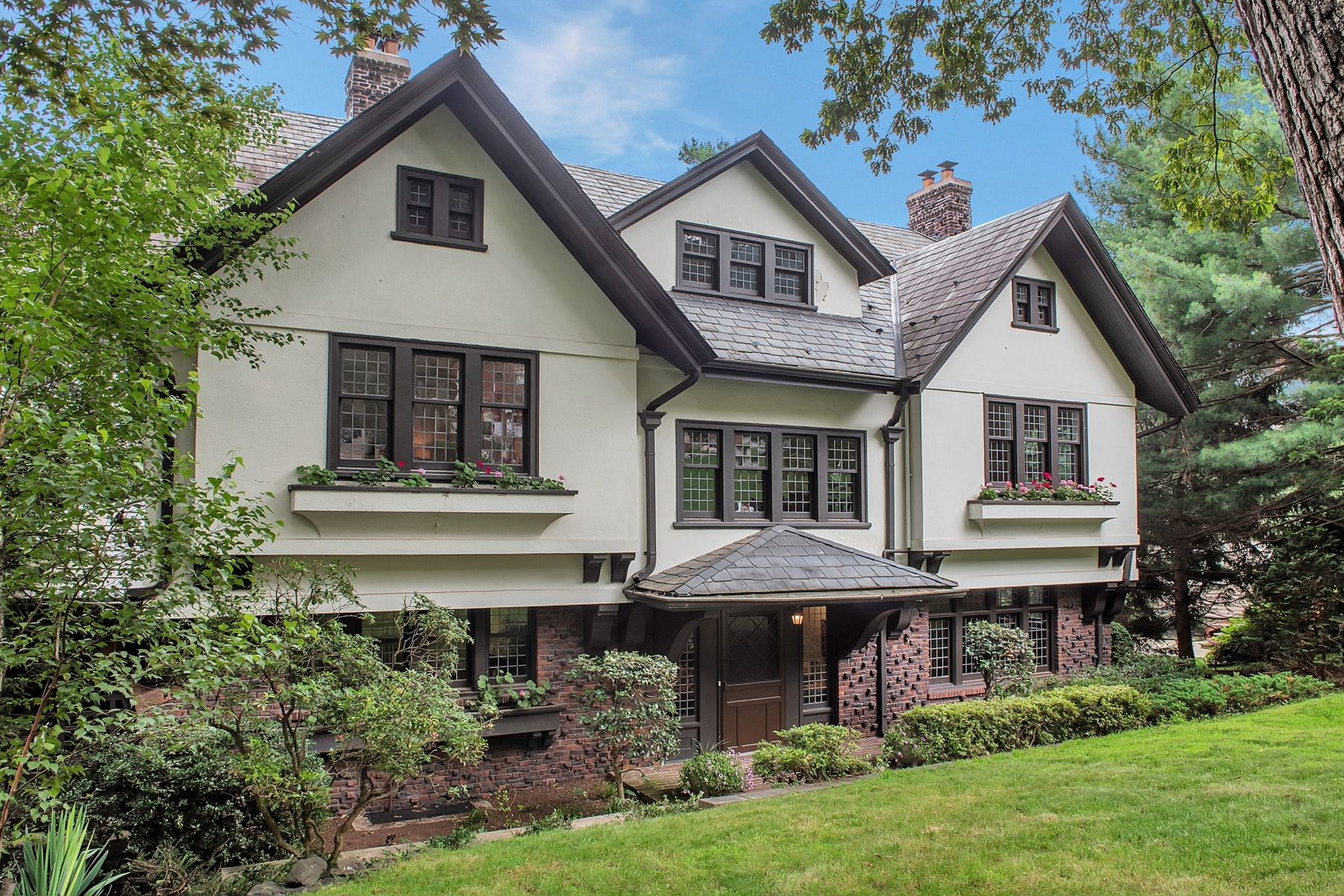 Single Family Homes for Sale at Grand and Glorious 53 Lloyd Road Montclair, New Jersey 07042 United States