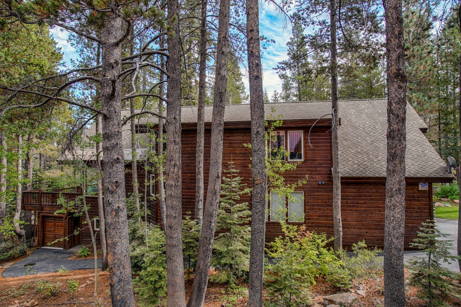 Additional photo for property listing at 15187 Swiss Lane Truckee California, 96161 15187 Swiss Lane Truckee, California 96161 United States