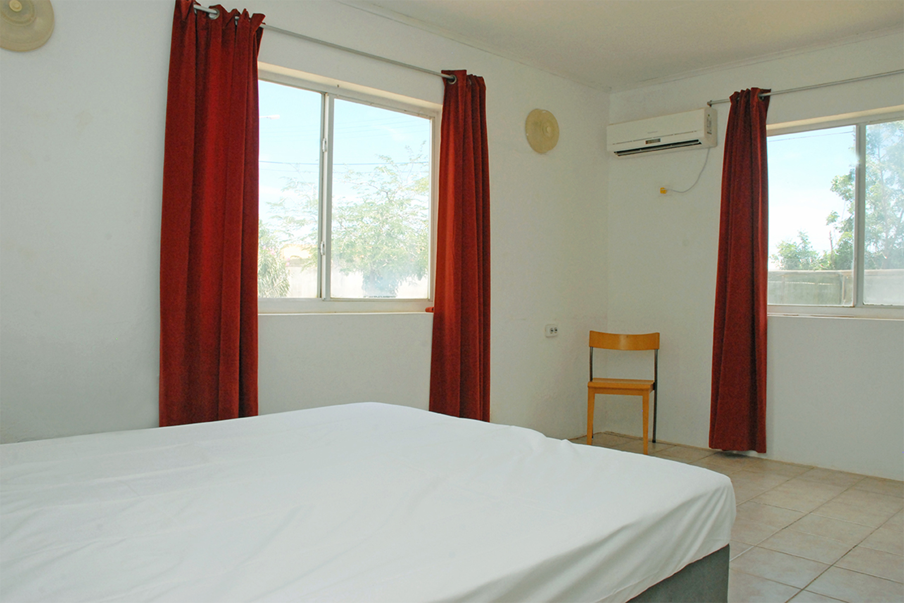 Additional photo for property listing at Kas Blau 克拉伦代,  博内尔