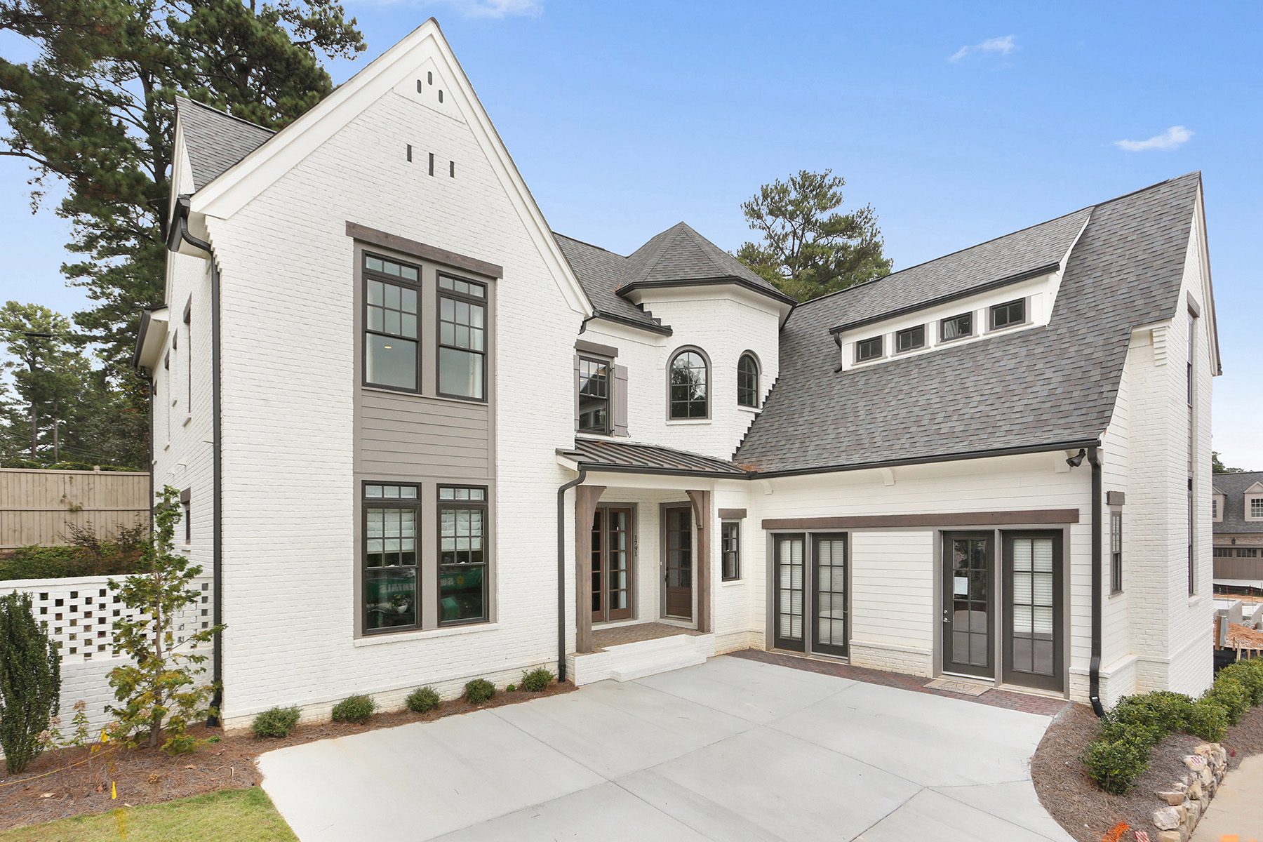 Single Family Home for Sale at Incredible Home in Dunwoody Green 1791 Kent Ave Atlanta, Georgia 30338 United States