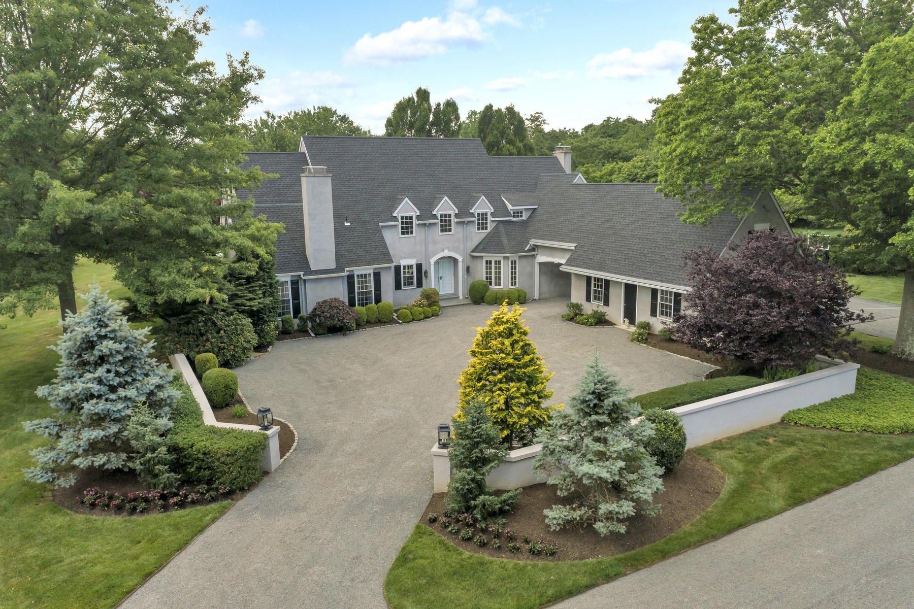 Single Family Homes por un Venta en Find Peace and Sureness at this Stunning Estate with Extraordinary Character 19 Sheraton Lane Rumson, Nueva Jersey 07760 Estados Unidos
