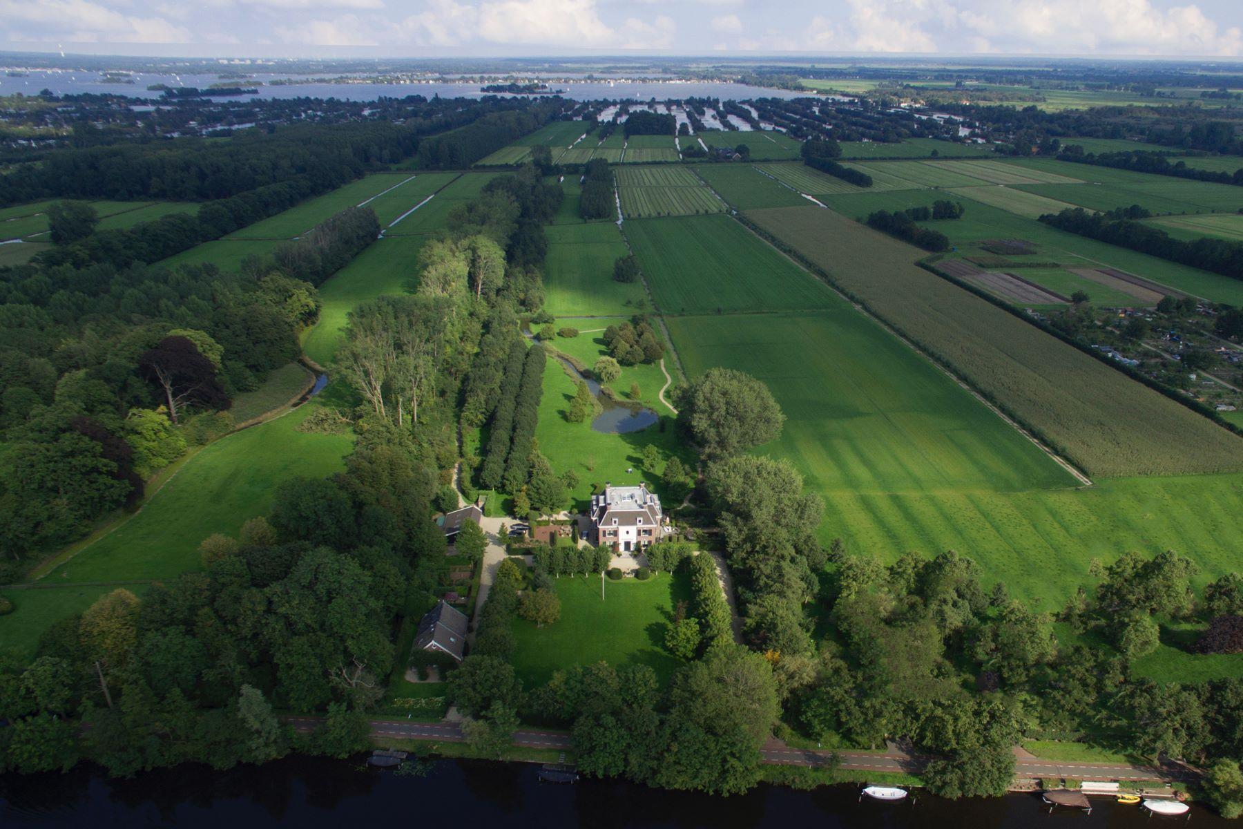 Single Family Homes для того Продажа на Timeless Estate Zandpad 55 Breukelen, Utrecht 3621 NE Нидерланды