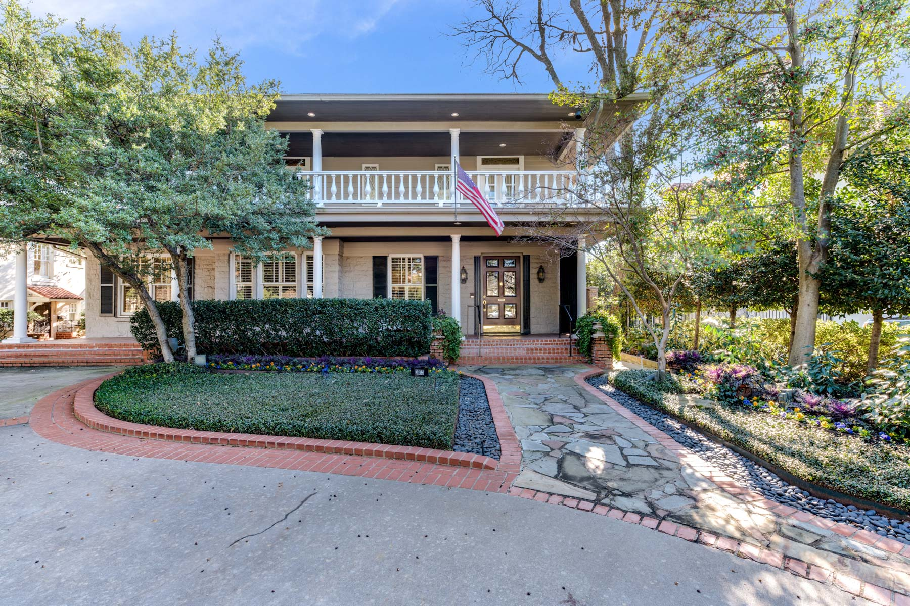 Single Family Home for Sale at Stately Highland Park Home on Coveted Beverly Drive 3815 Beverly Drive Highland Park, Texas 75205 United States