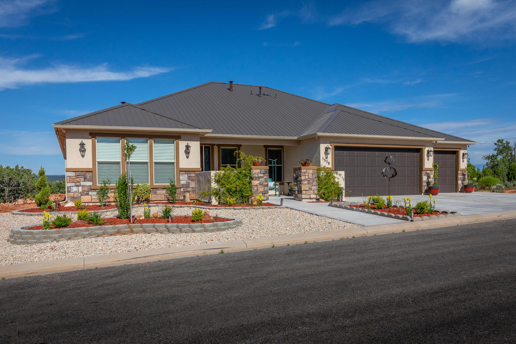Single Family Homes for Active at Capture The views And Experience The Great Outdoors 1536 S Cliff Drive Apple Valley, Utah 84737 United States