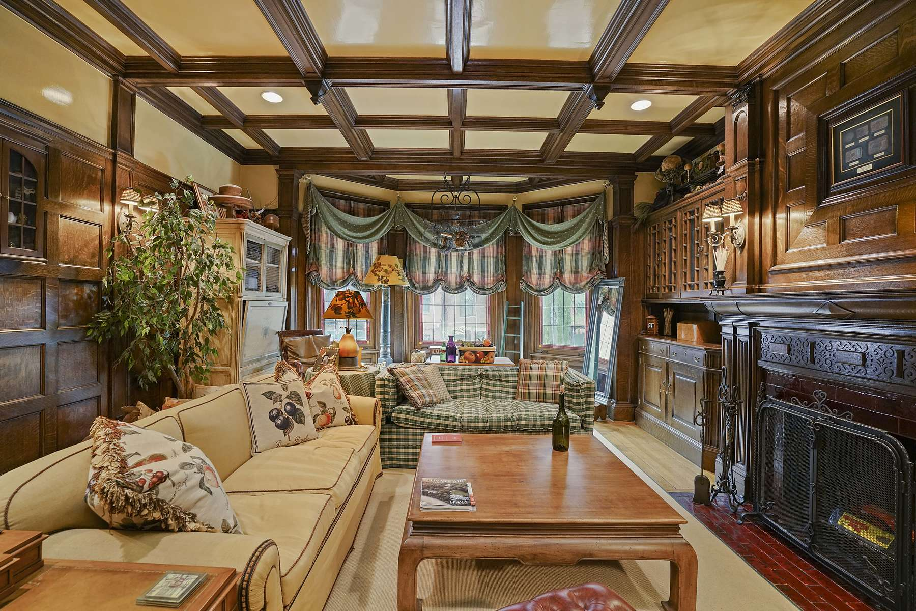 Condominiums για την Πώληση στο The Finest Craftsmanship in Back Bay 359 Beacon Street Unit 2,4, Βοστώνη, Μασαχουσετη 02116 Ηνωμένες Πολιτείες
