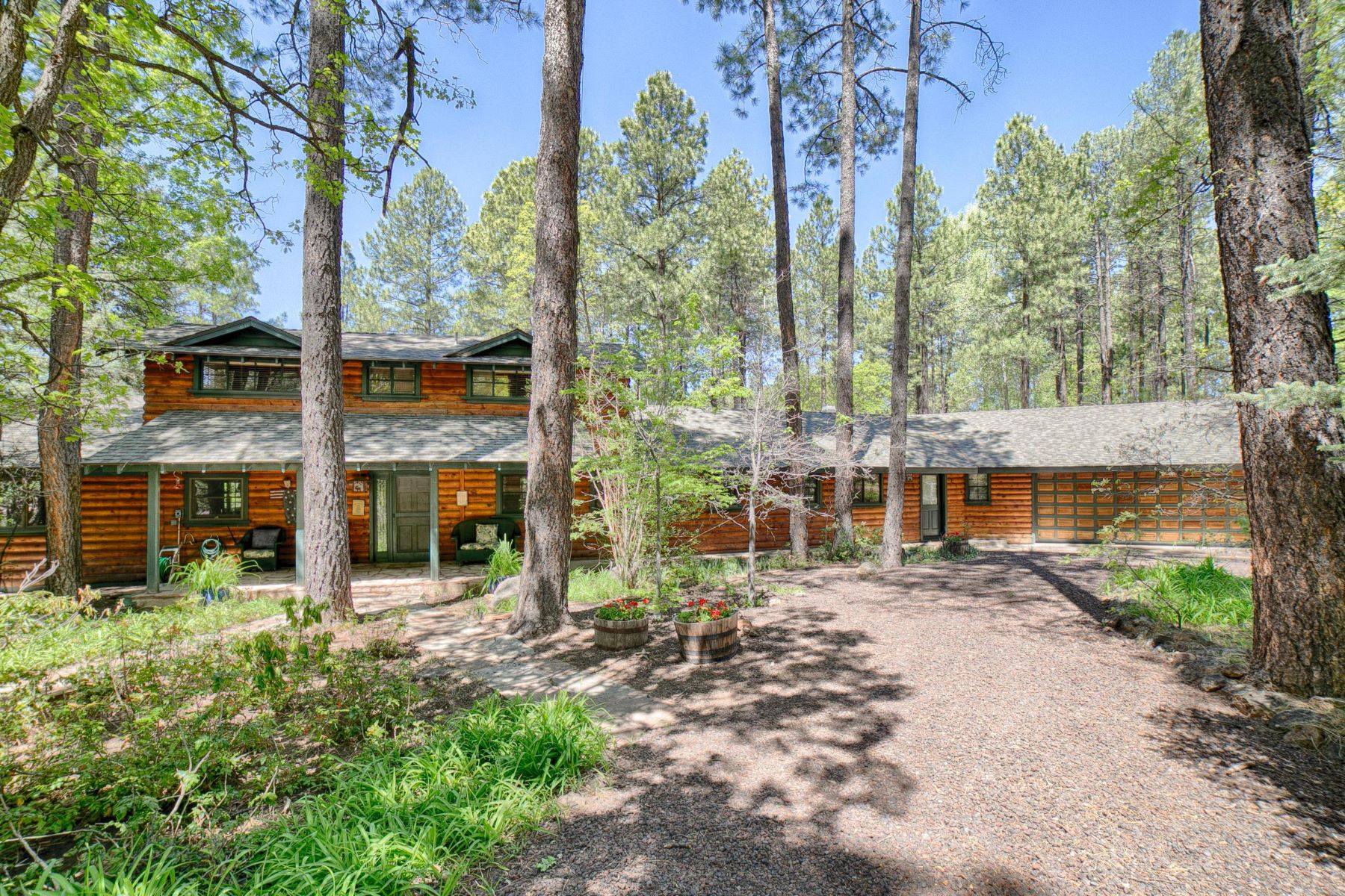 Single Family Homes for Active at Lovely White Mountain Summer Home 3416 White Oak Dr Pinetop, Arizona 85935 United States
