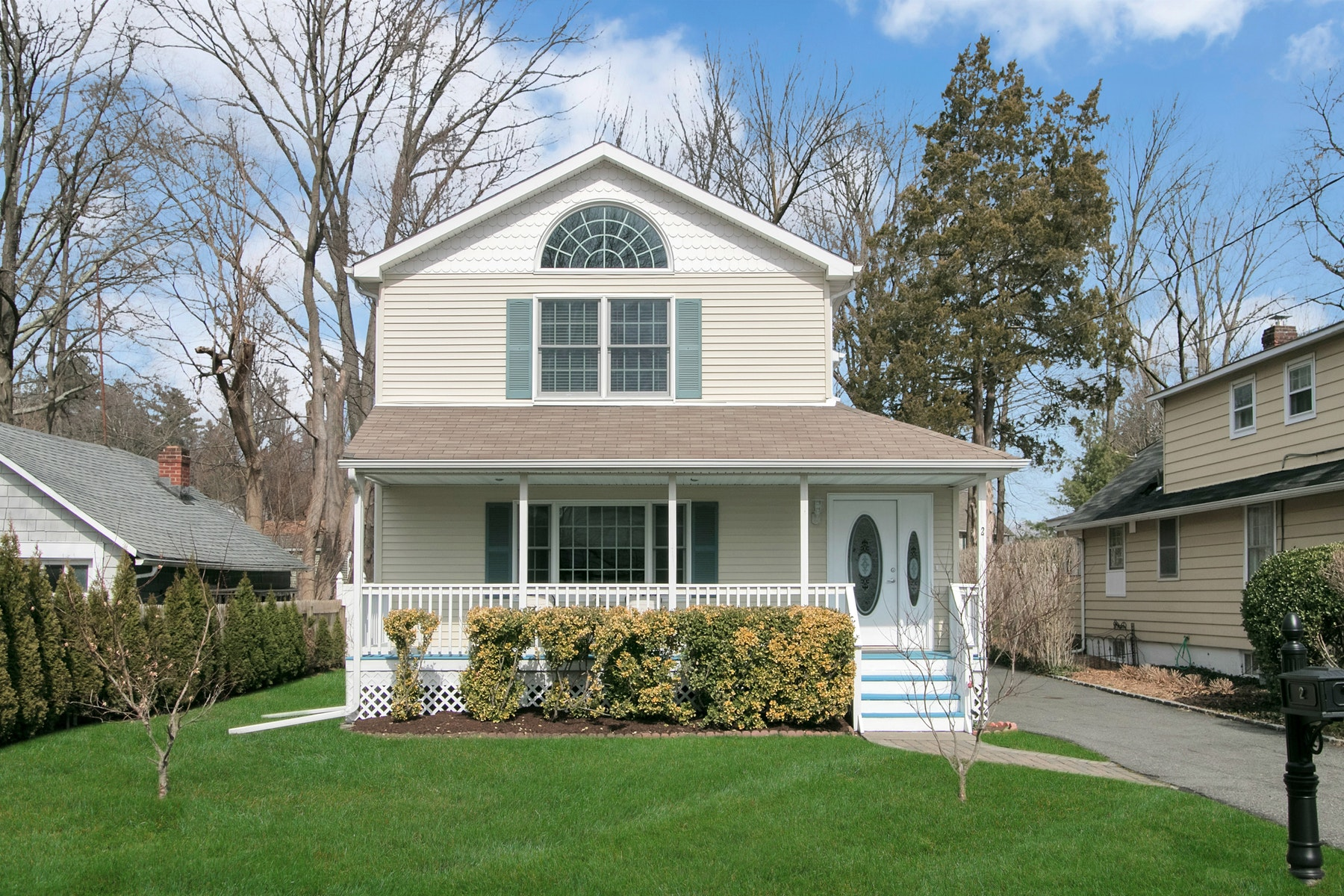 Single Family Homes for Active at Fully Renovated Colonial 2 Orchard Street Montebello, New York 10901 United States