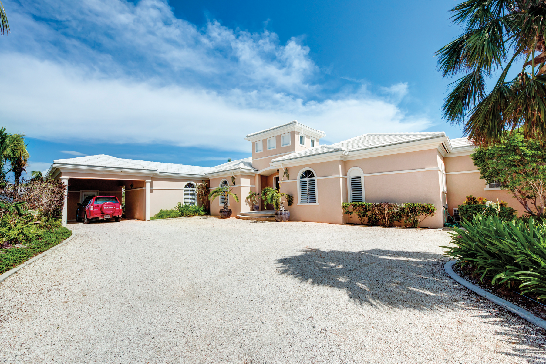 Additional photo for property listing at Pinta Court Leeward, Providenciales Îles Turques Et Caïques