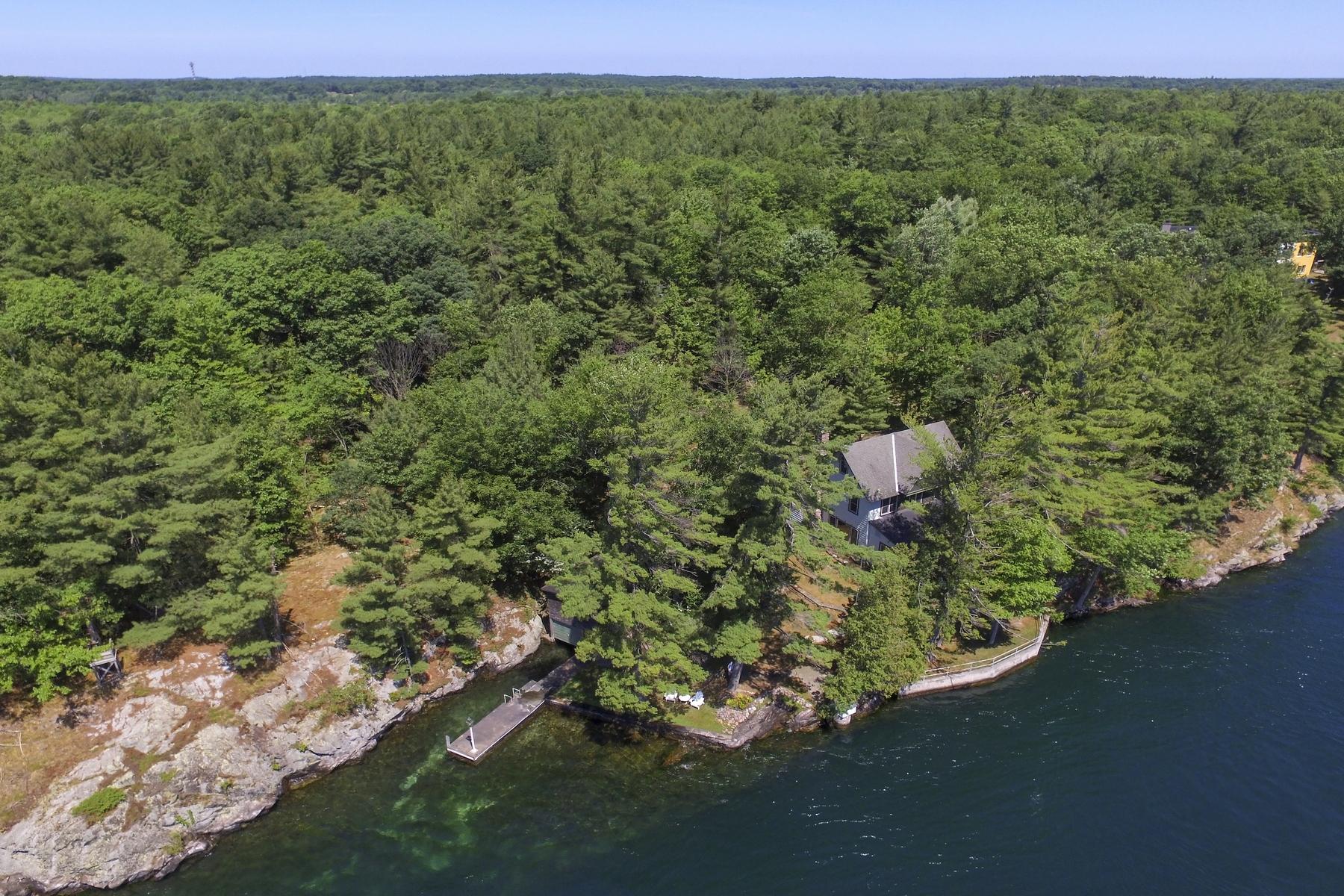 Single Family Homes 為 出售 在 Lambie Point, Wellesley Island, New York 45584 Landon Road Road, Alexandria, 纽约 13640 美國