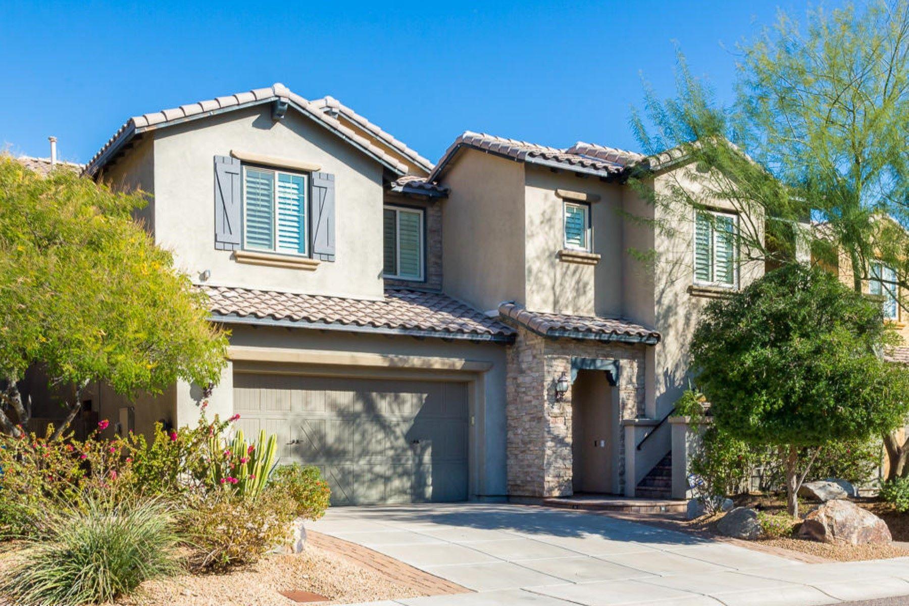 Casa Unifamiliar por un Venta en Beautiful home in the highly desirable Desert Ridge neighborhood of Fireside 21215 N 38th Pl Phoenix, Arizona, 85050 Estados Unidos