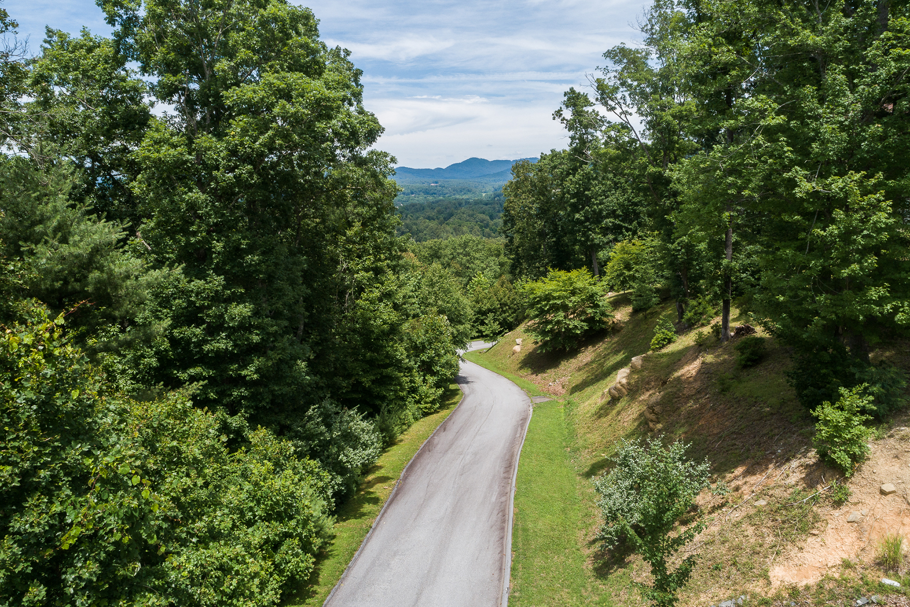 Land for Active at HUTCH MOUNTAIN ESTATES 198 Wendy Dawn Drive , 20-R Fletcher, North Carolina 28732 United States