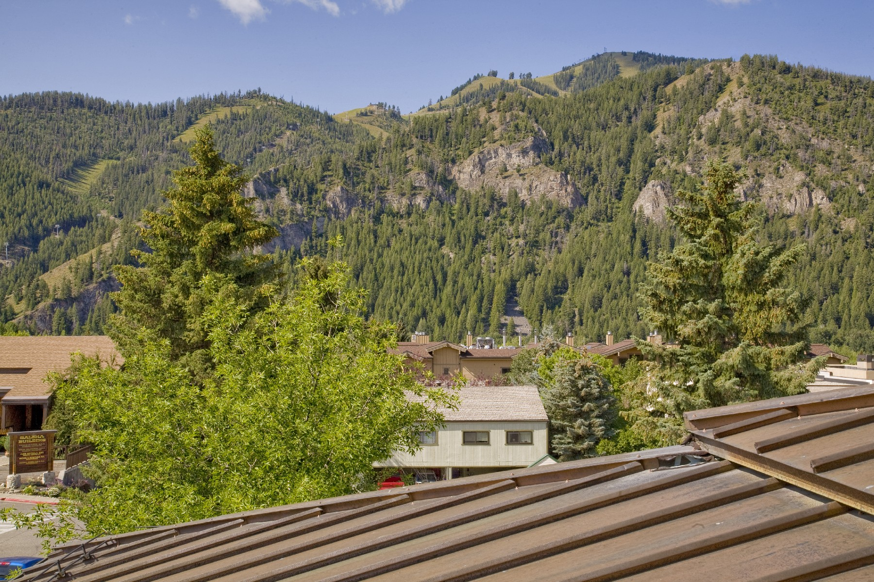 Additional photo for property listing at Baldy View Penthouse 271 N Washington Ave Unit 3 Ketchum, Idaho 83340 Estados Unidos