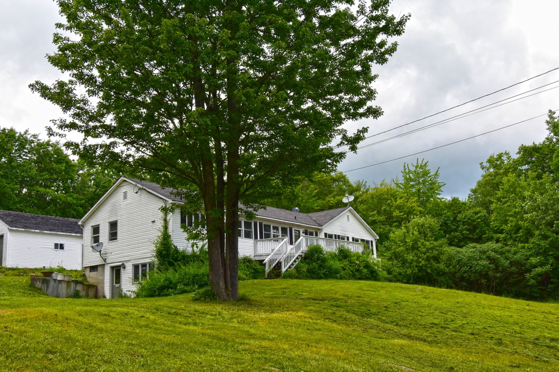 Single Family Homes for Active at Four Bedroom Ranch on 11 Acres in Claremont 352 Old Newport Rd Claremont, New Hampshire 03743 United States