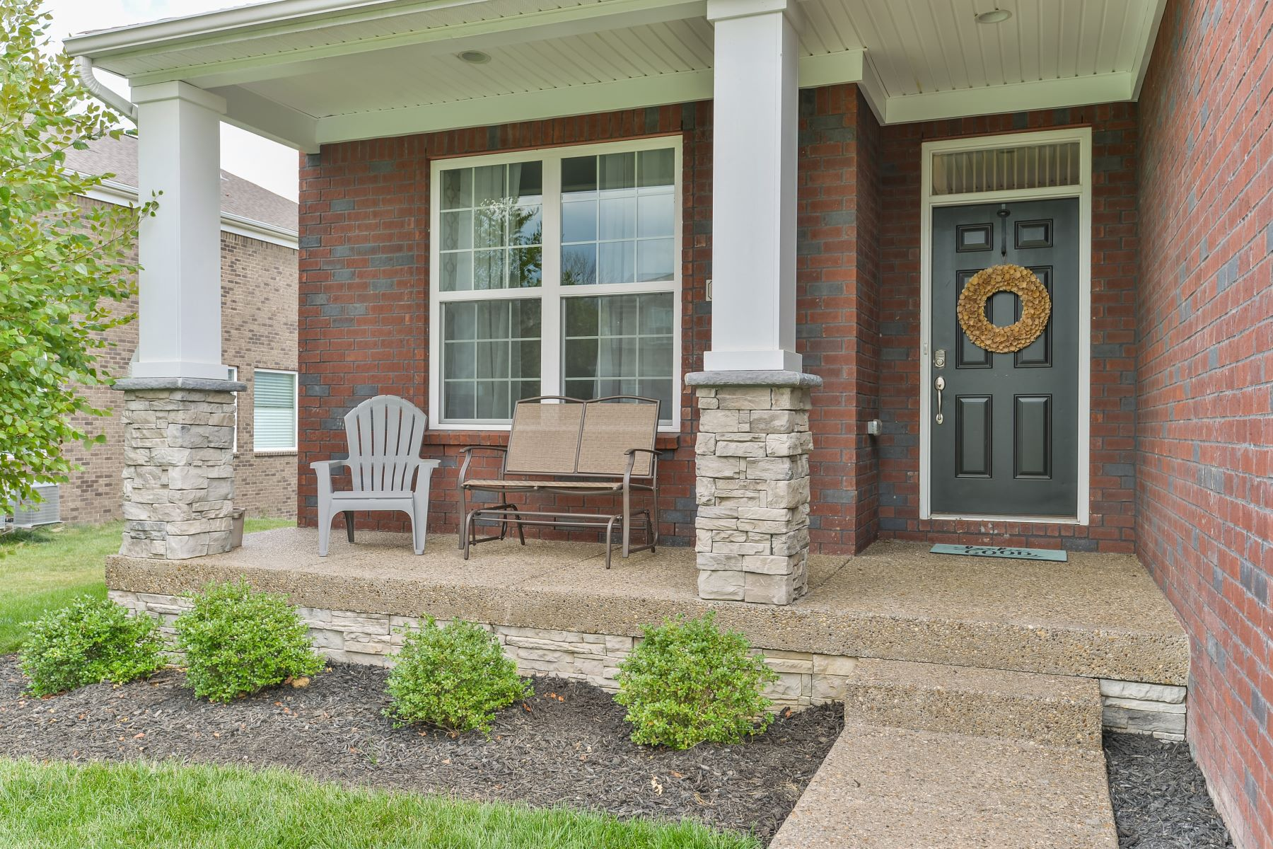 Additional photo for property listing at 17105 Hillrock Place  Louisville, Kentucky 40245 United States