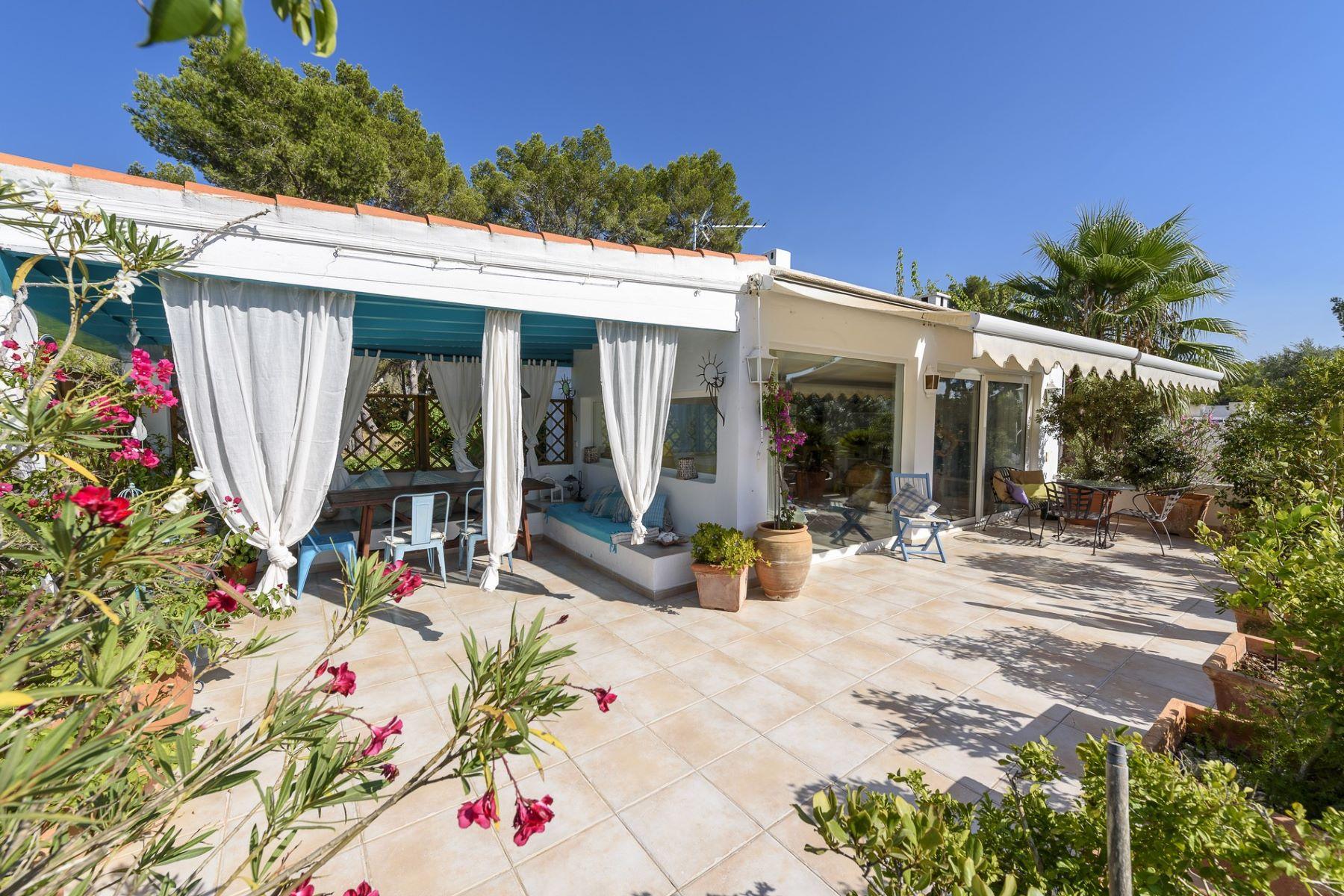 شقة للـ Sale في Property located just a few minutes from Ibiza's c Ibiza, Balearic Islands, 07800 Spain