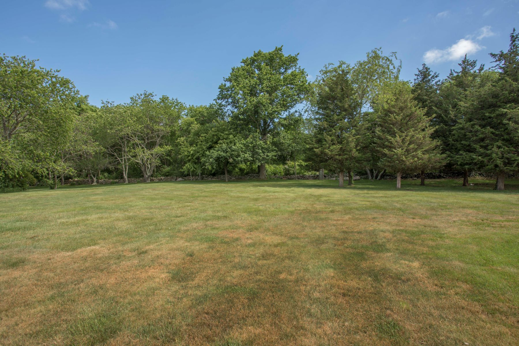 Additional photo for property listing at King's Grant Water Views 121 King Charles Drive Portsmouth, Rhode Island 02871 United States