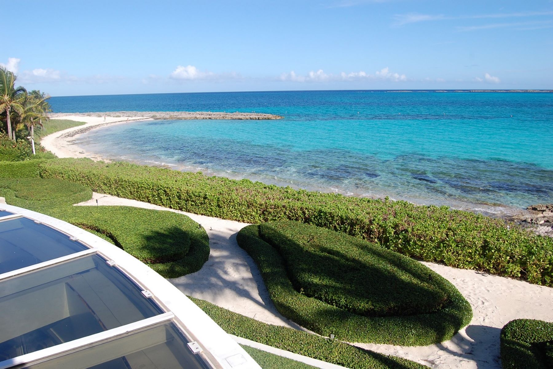 Additional photo for property listing at Villa Tarka Ocean Club Estates, Paradise Island, Nueva Providencia / Nassau Bahamas