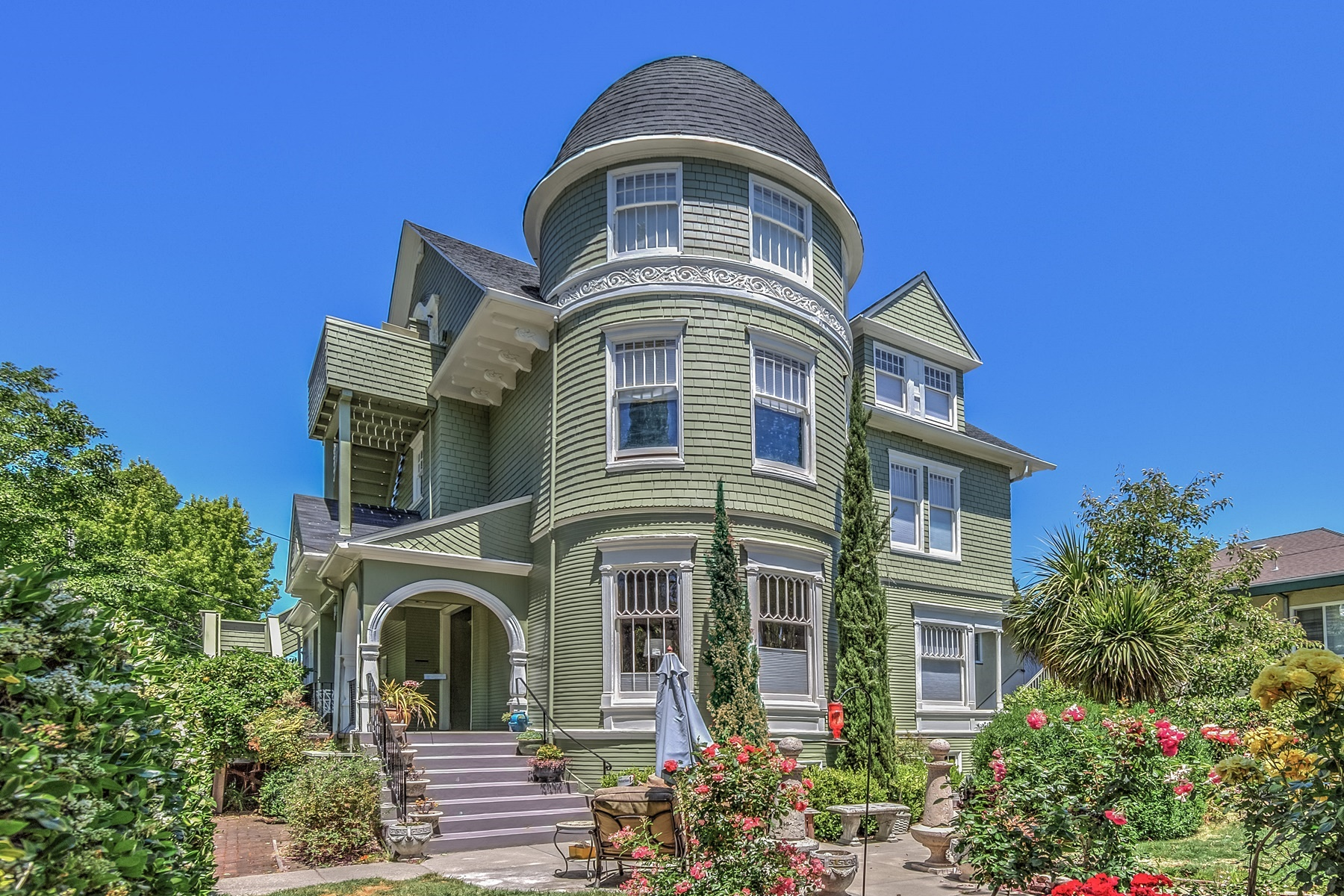 for Sale at Expansive Queen Anne Triplex 1501-1503 Central Avenue Alameda, California 94501 United States