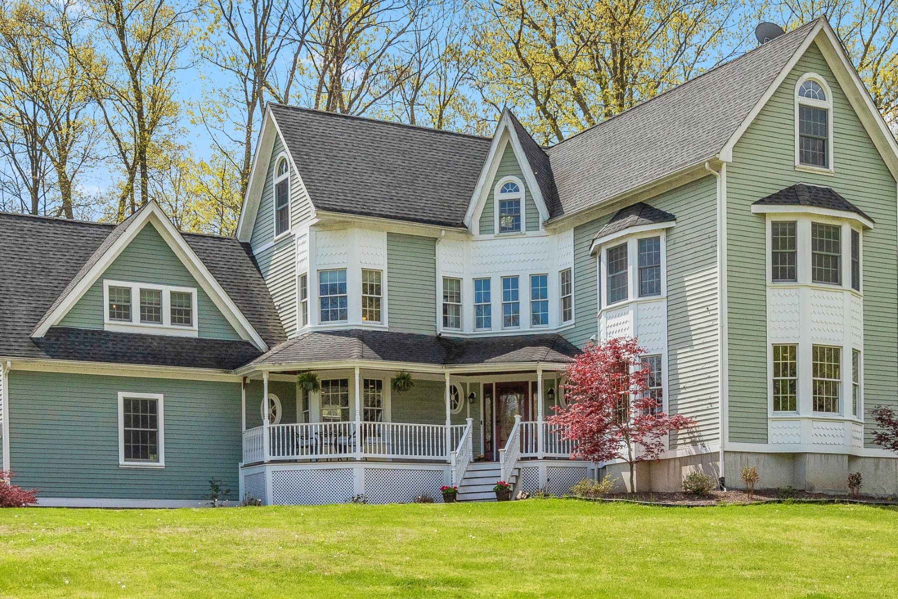 Single Family Homes for Sale at Charming Victorian Style Colonial 9 Meadow Oak Drive Blairstown, New Jersey 07825 United States