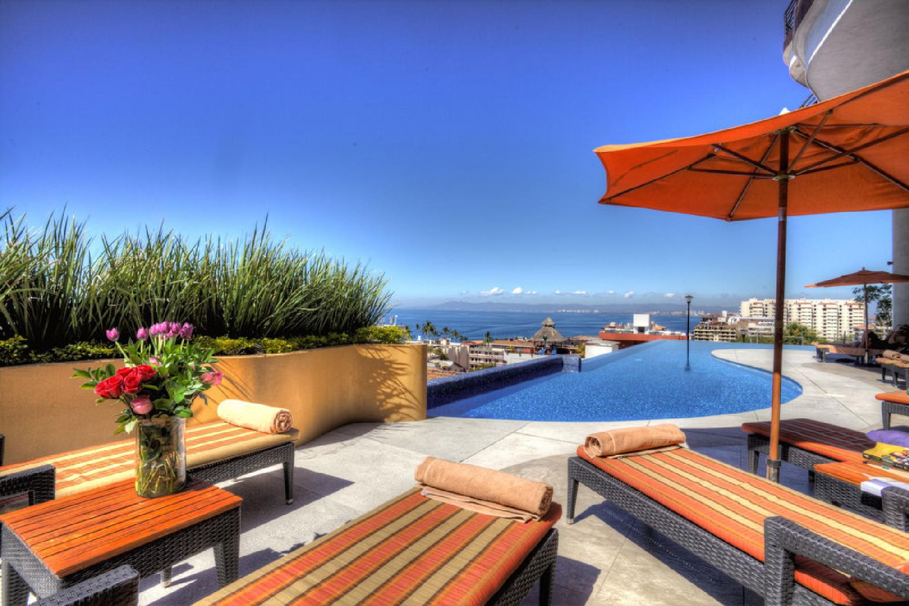 Apartamento por un Venta en Signature by Pinnacle PH2 Calle Pulpito 180 Puerto Vallarta, Jalisco 48380 México