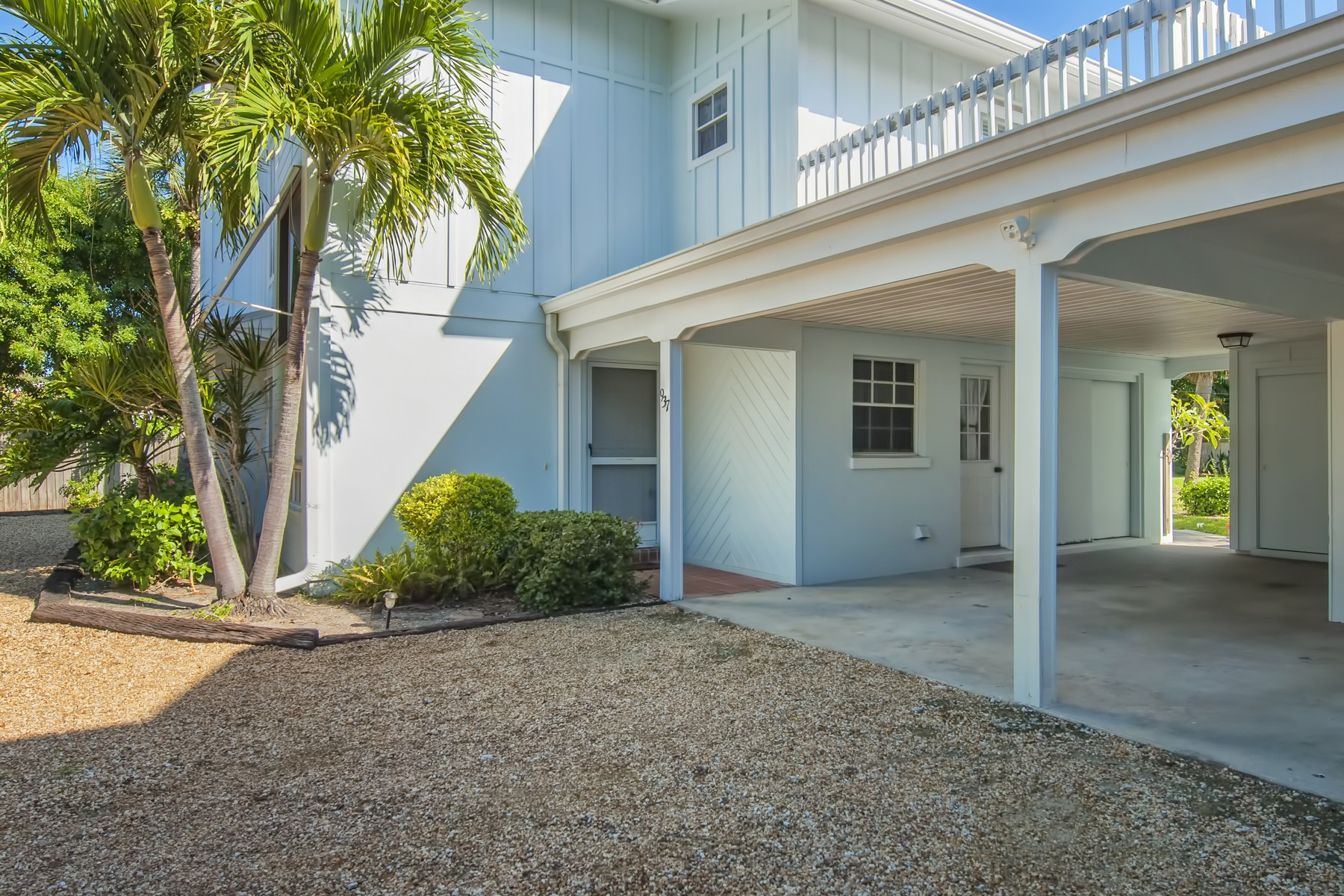 Additional photo for property listing at Hidden Gem South Beach! 937 Pirate Cove Lane Vero Beach, Florida 32963 United States