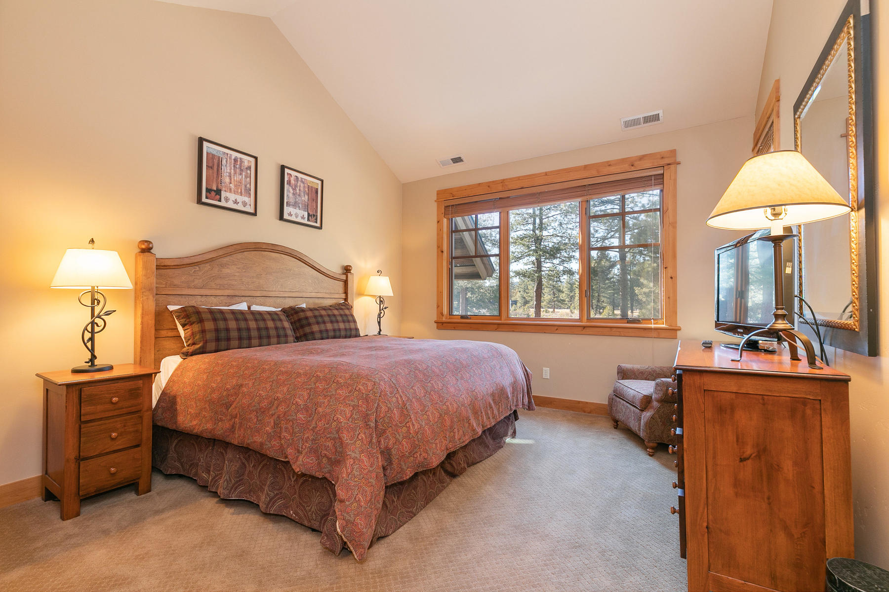 Additional photo for property listing at 13170 Fairway Drive Truckee California 96161 13170 Fairway Drive 特拉基, 加利福尼亚州 96161 美国