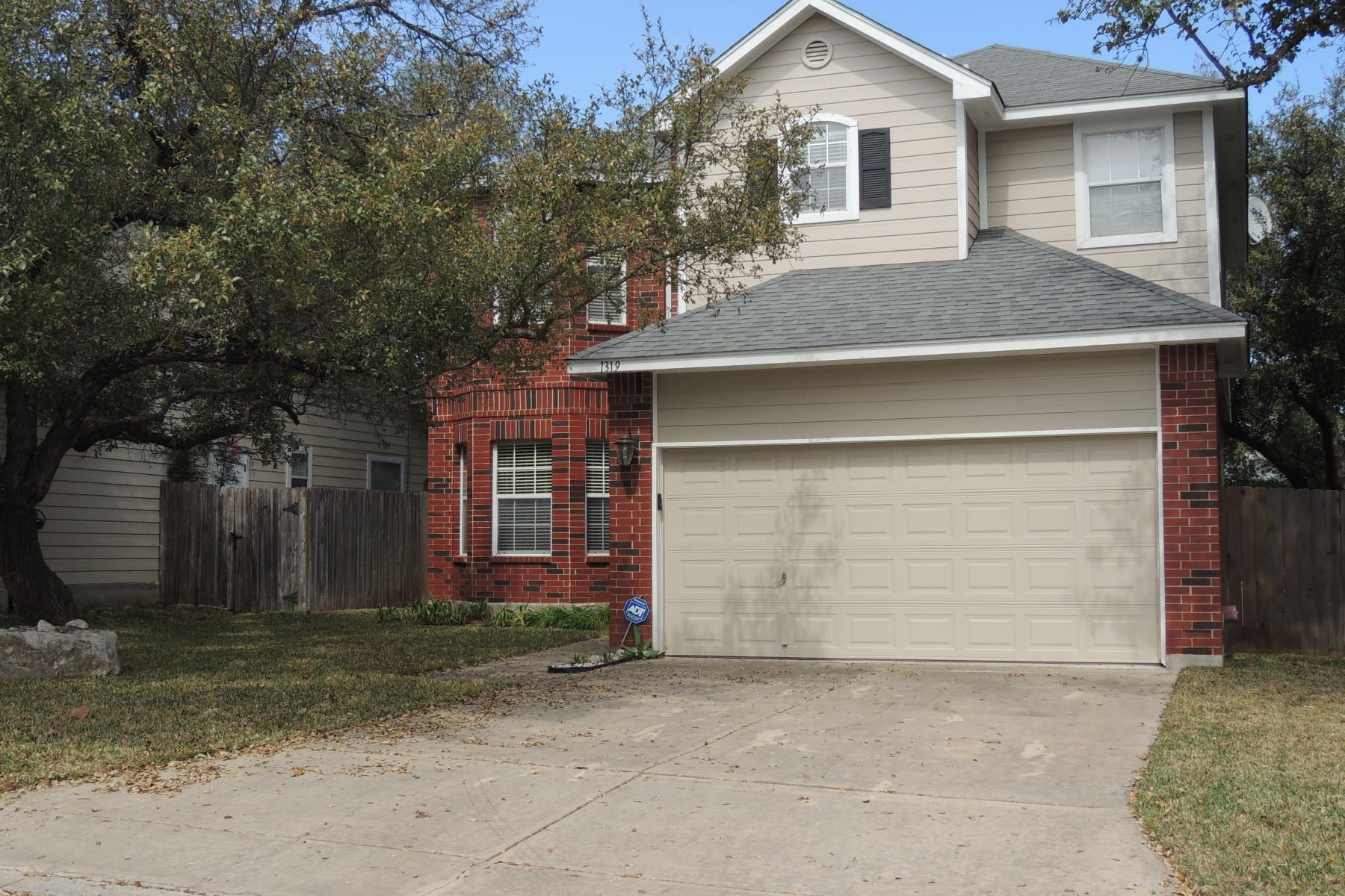 Single Family Home for Rent at 1319 View Top 1319 View Top San Antonio, Texas 78258 United States