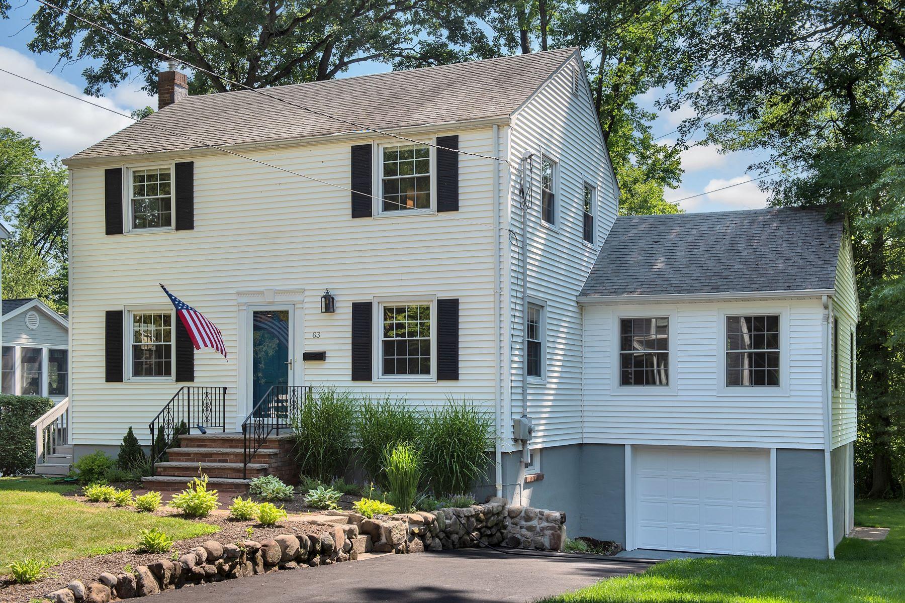 Single Family Homes pour l Vente à Newly Renovated 63 Tallmadge Avenue, Chatham, New Jersey 07928 États-Unis