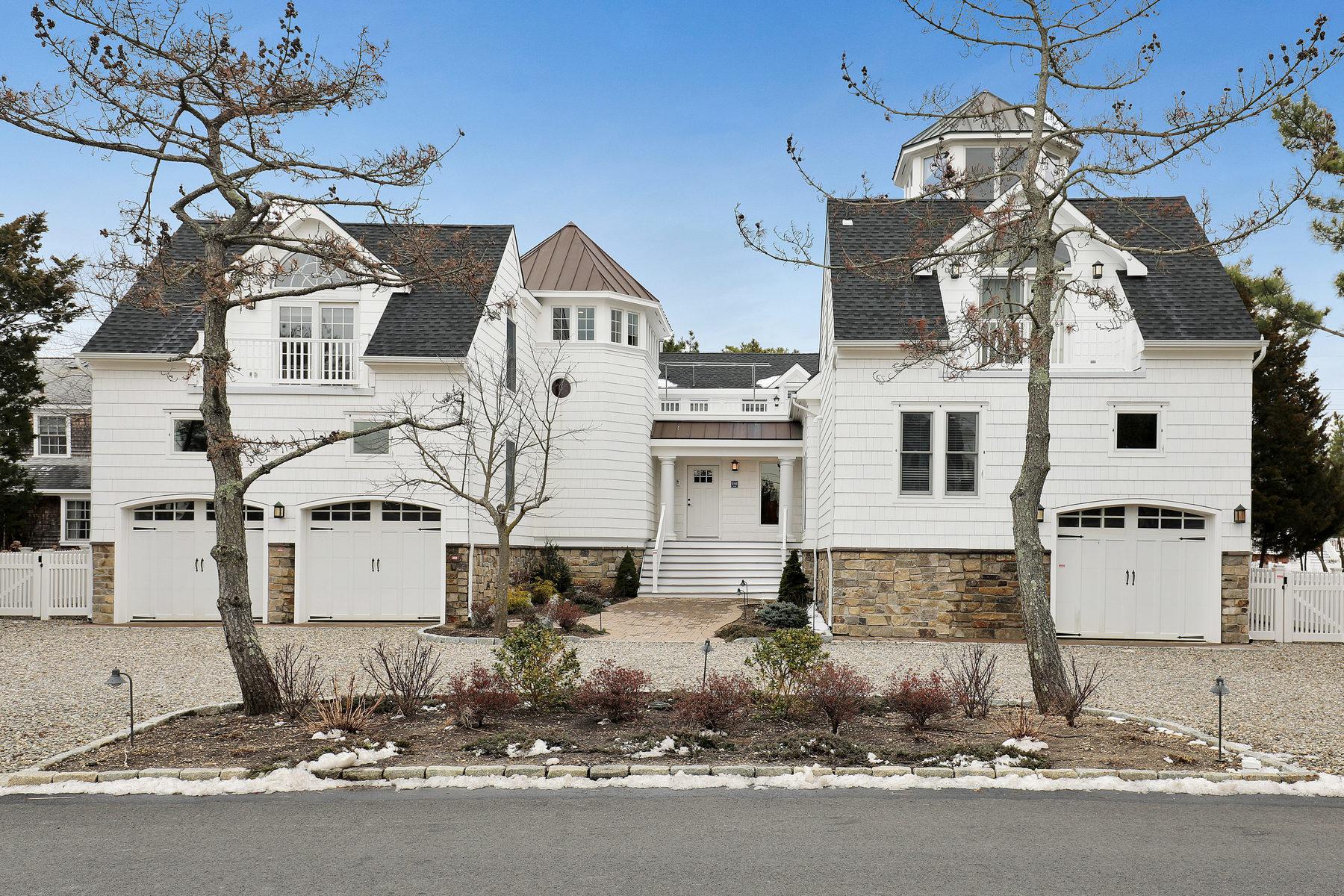 Casa Unifamiliar por un Venta en Meticulously Maintained Custom Home 961 Barnegat Lane Mantoloking, Nueva Jersey 08738 Estados Unidos