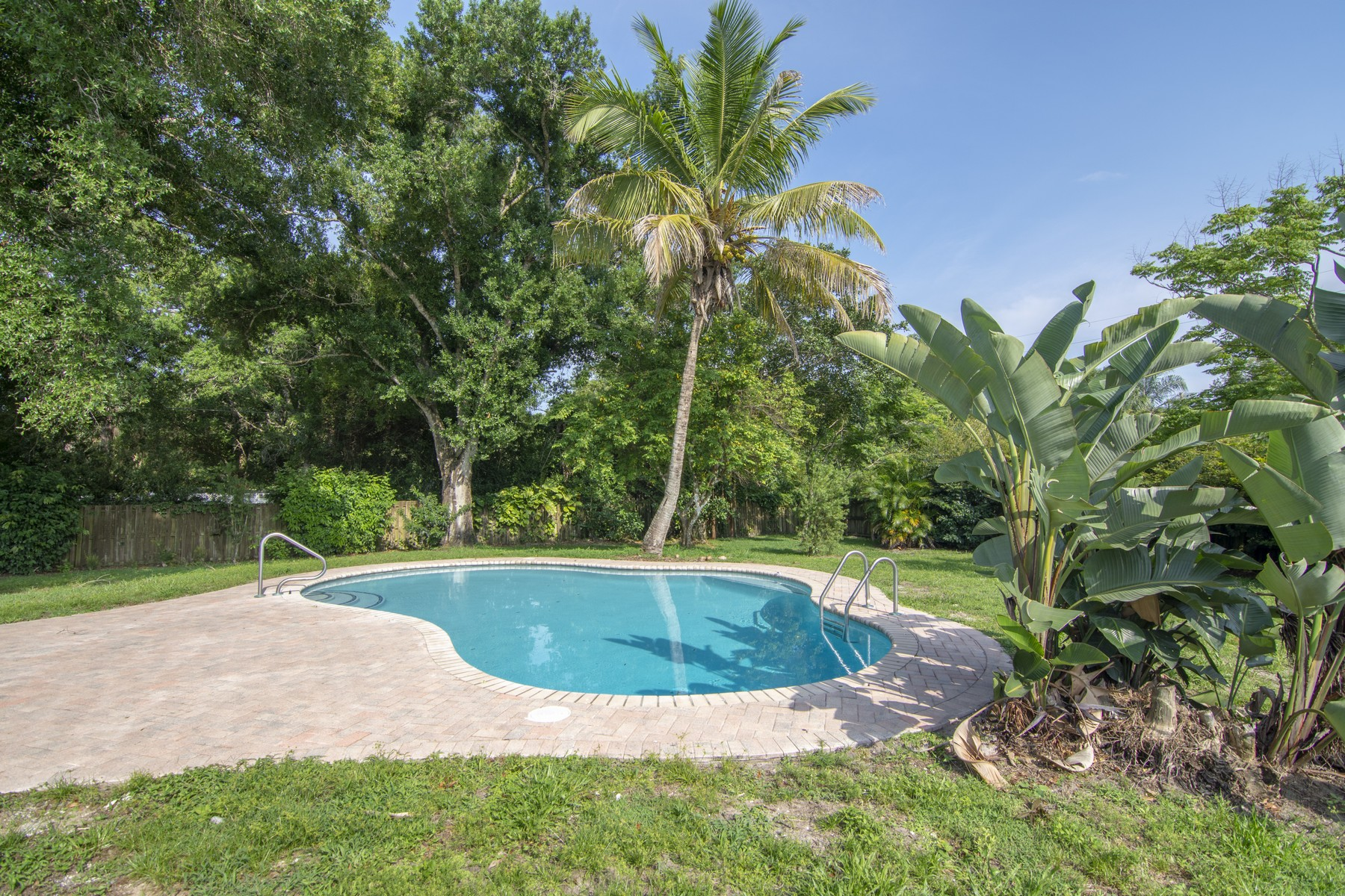 Additional photo for property listing at Peaceful & Private Home on One Acre Lot 3320 58th Avenue Vero Beach, Florida 32966 United States