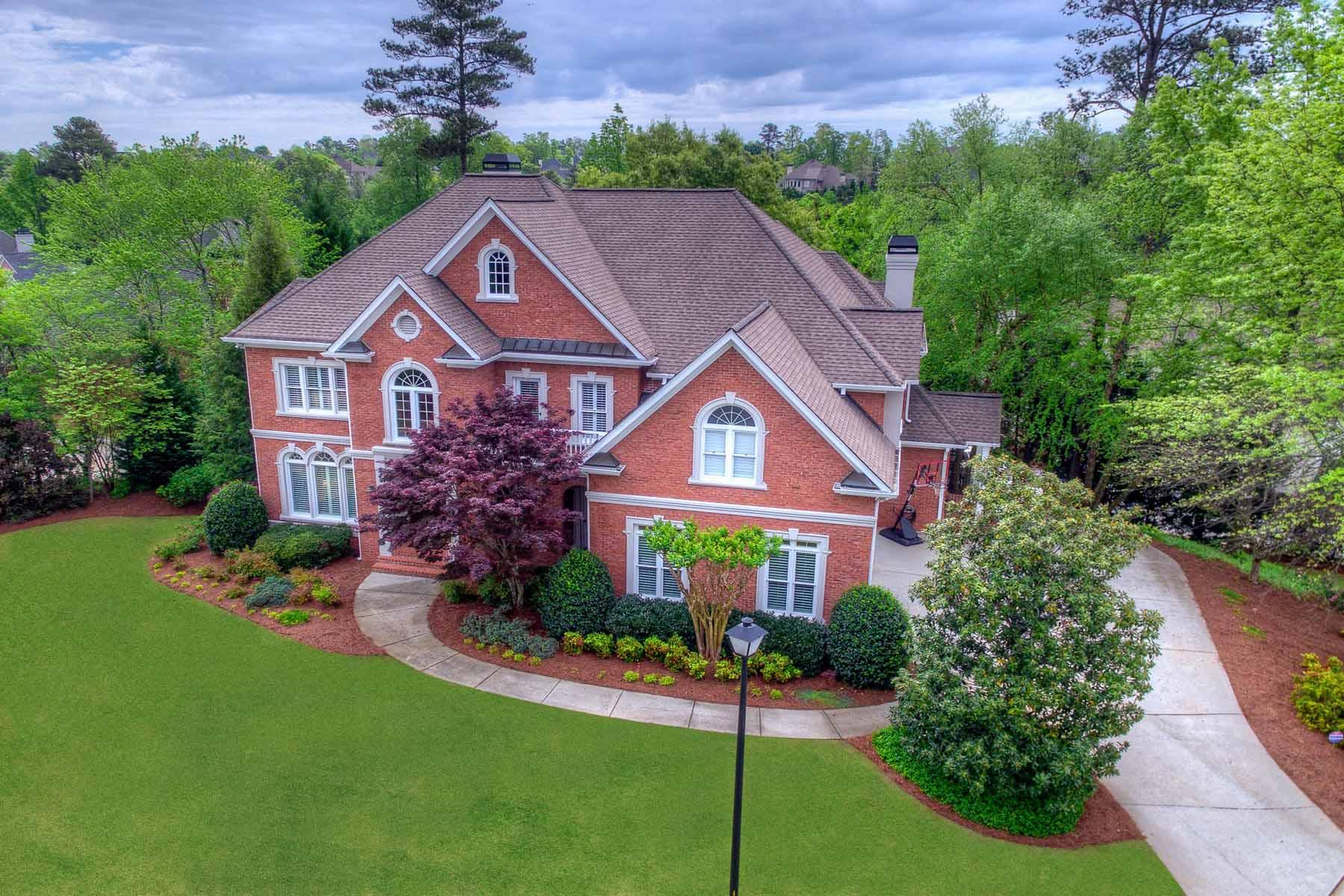 Casa para uma família para Venda às Gorgeous Executive Home 800 Autry Landing Circle Johns Creek, Geórgia, 30022 Estados Unidos